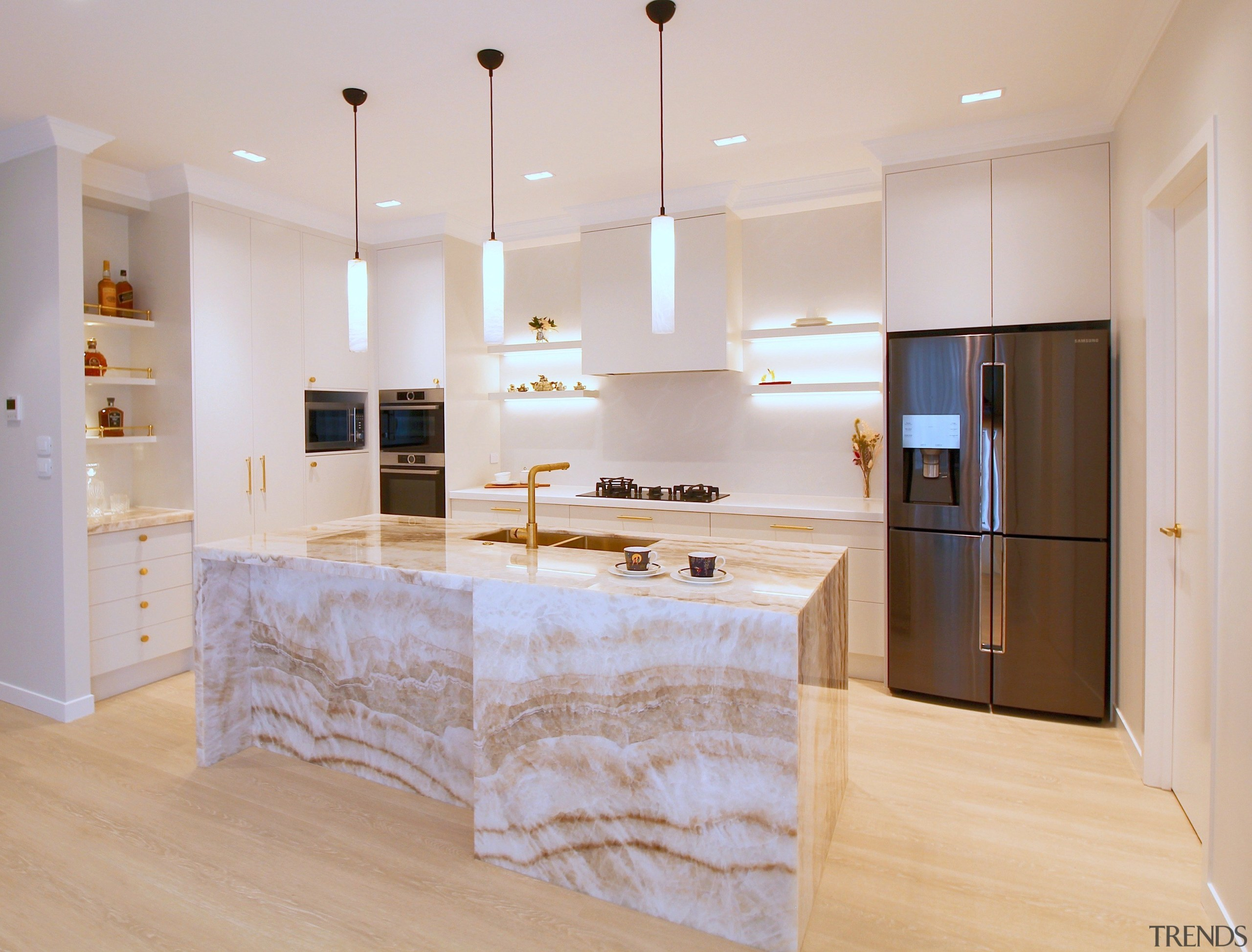 Beige Onyx natural stone features on three sides