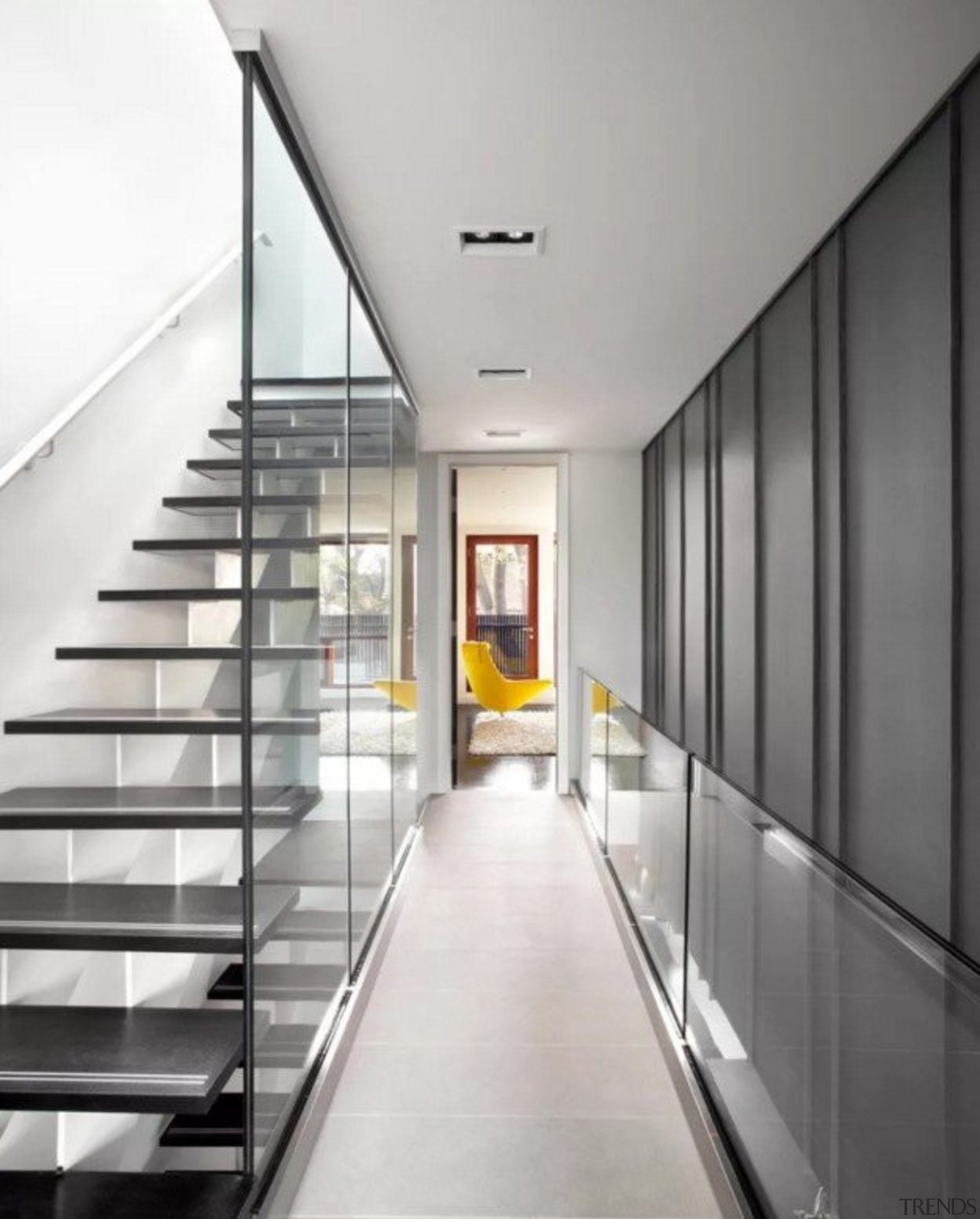 Glass Walls Keep This Floating Stai... - Gallery - 4