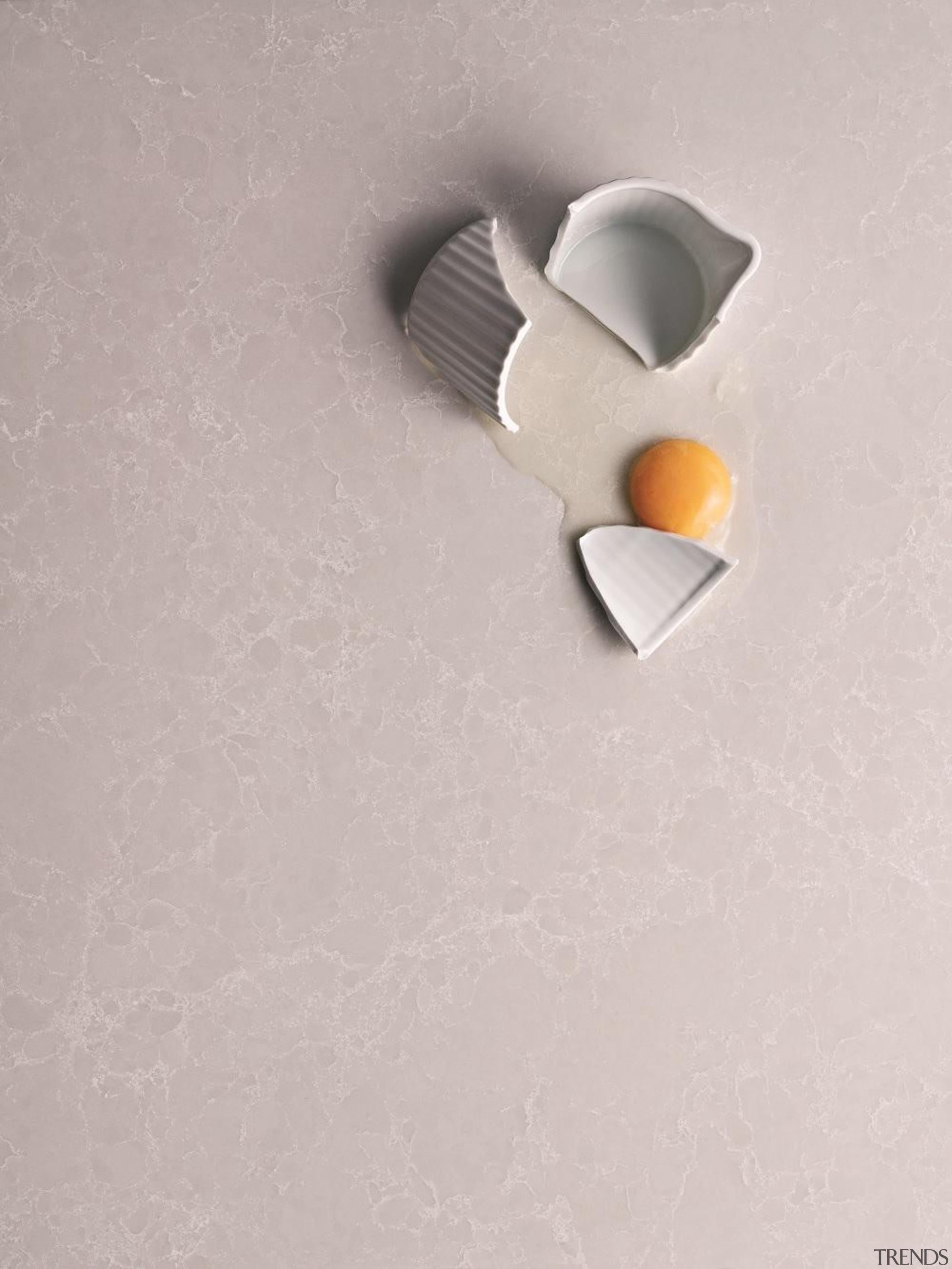 5110alpine mist close up eggs.jpg - 5110alpine_mist_close_up_eggs.jpg - product design, gray