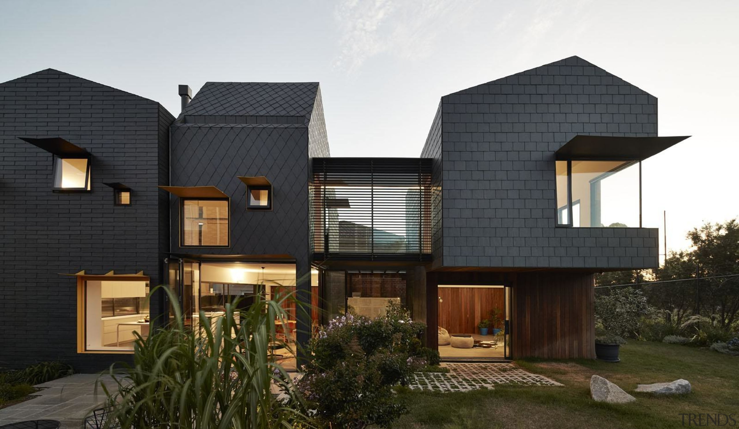 Architect: Austin Maynard ArchitectsPhotography by Peter Bennetts architecture, building, elevation, facade, home, house, property, real estate, residential area, roof, siding, black, white, brown