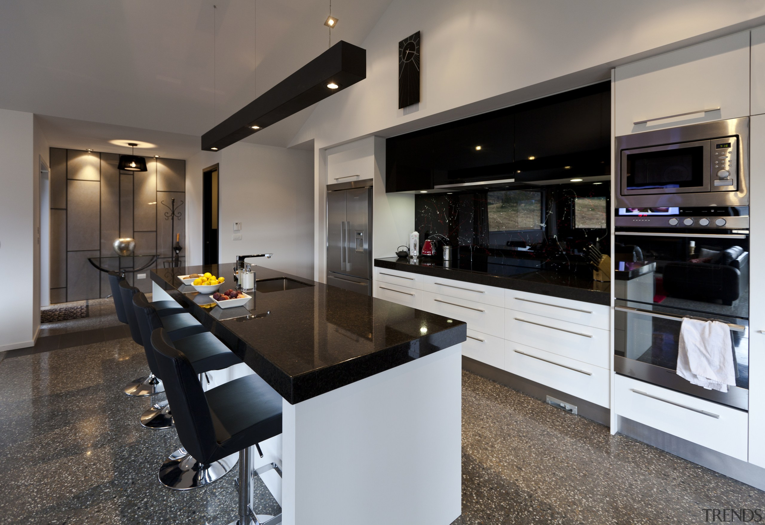 Kitchen With Black Benchtop And Spl Gallery 1 Trends