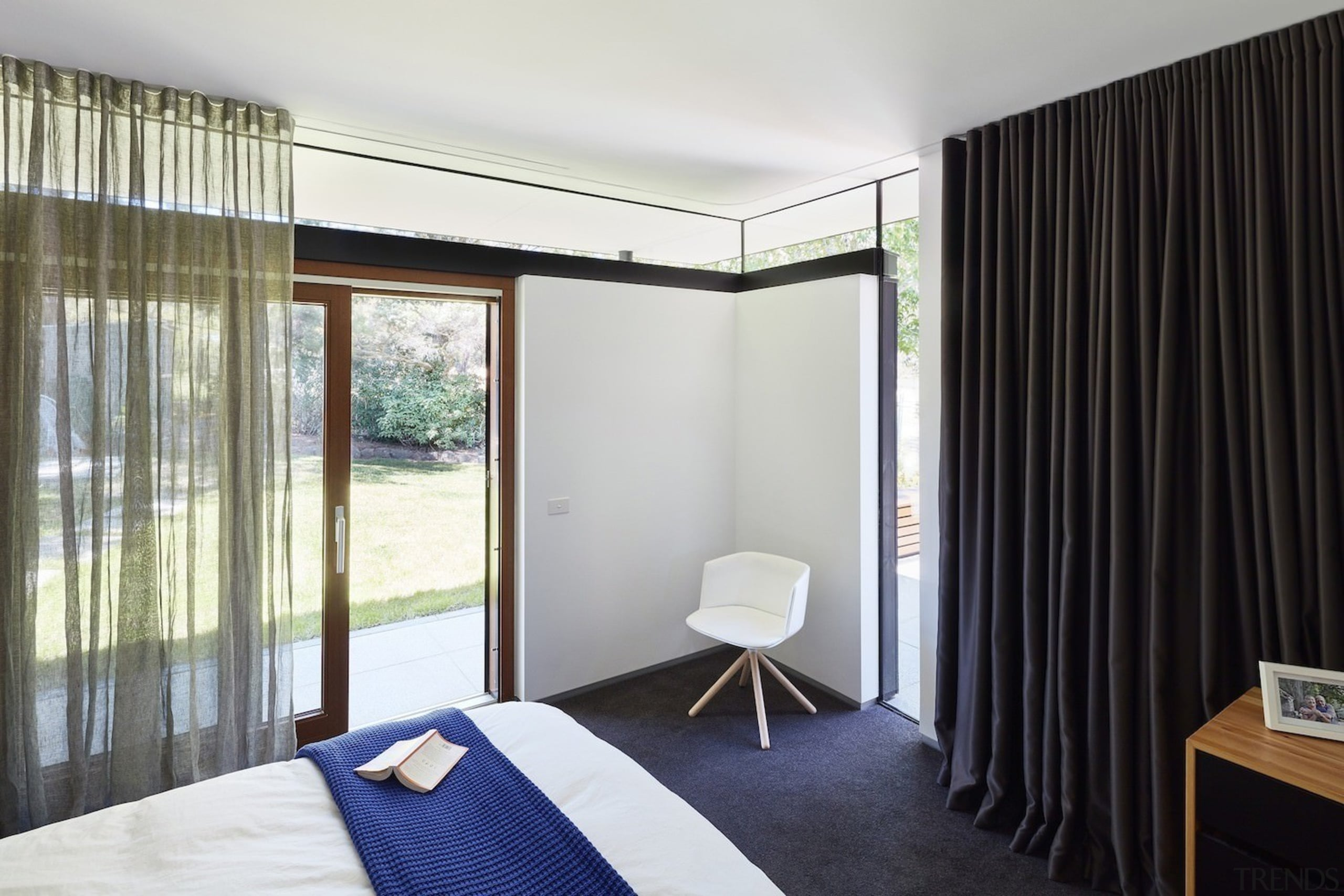 Architect: Architect: Steffen Welsch ArchitectsPhotography: Rhiannon bedroom, ceiling, condominium, curtain, interior design, property, real estate, room, window, window covering, window treatment, white, black