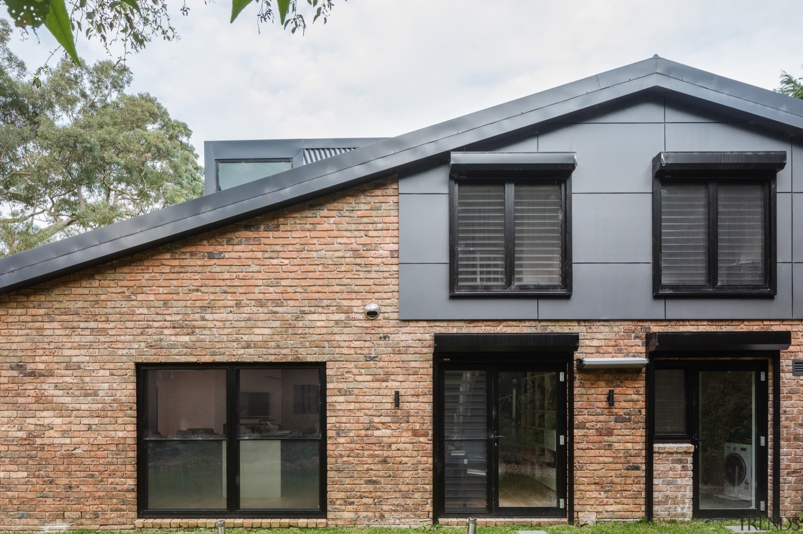 Architect: Bijl ArchitecturePhotography by Katherine Lu building, cottage, elevation, facade, home, house, property, real estate, residential area, roof, siding, window, black
