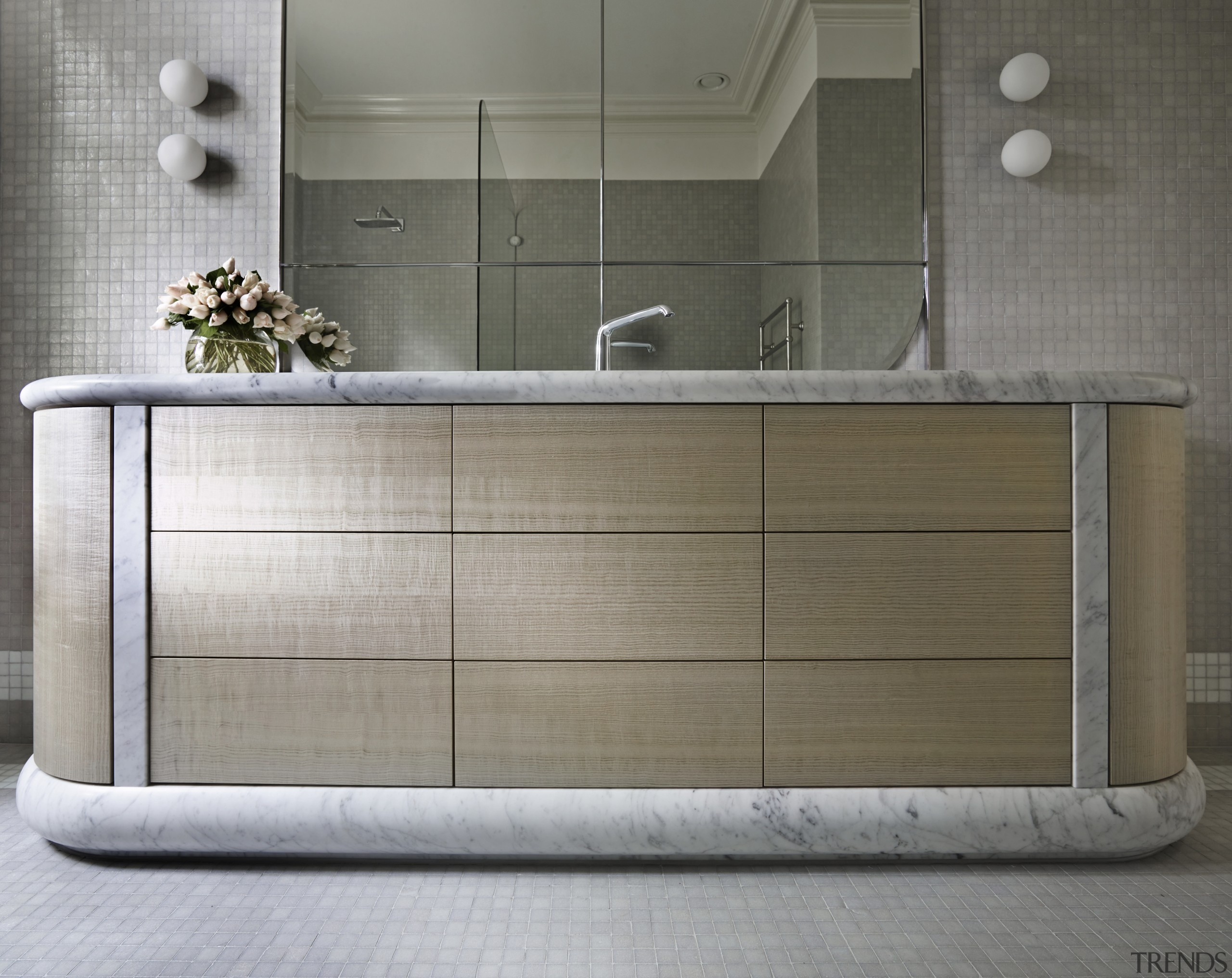 Softly curving carrara marble count    - Gallery - 6 | Trends