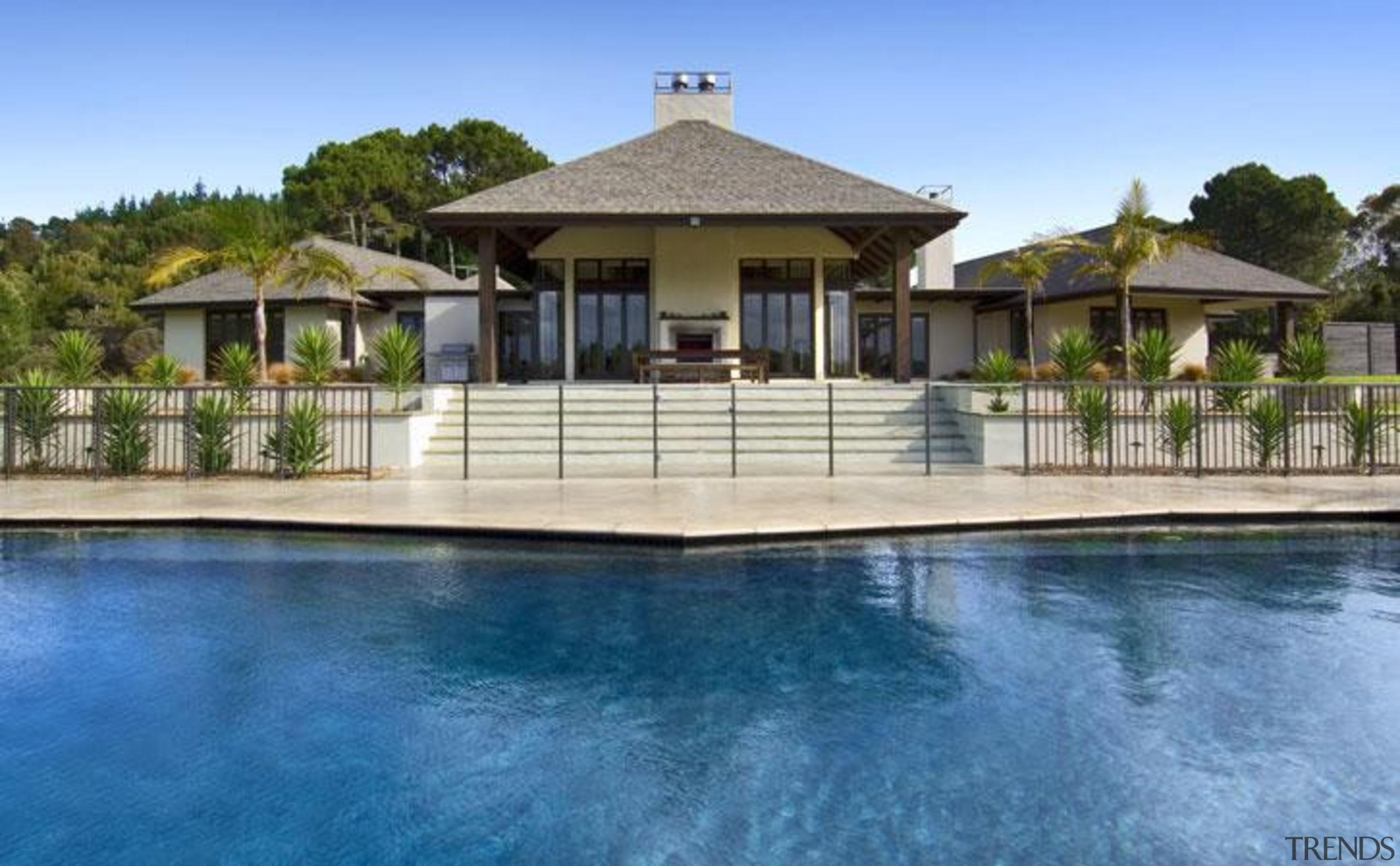 pol0002web.jpg - pol0002web.jpg - cottage | estate | cottage, estate, facade, home, house, leisure, mansion, outdoor structure, property, real estate, resort, swimming pool, villa, teal