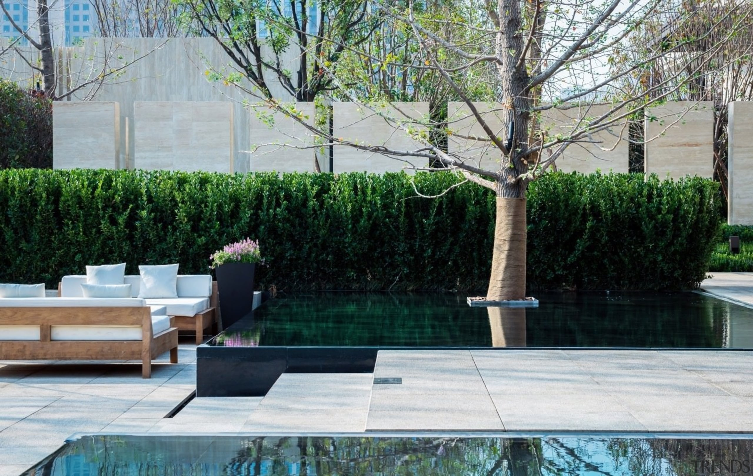Vanke Park Mansion 'True Love' – FLOscape Landscape backyard, courtyard, garden, grass, landscaping, outdoor furniture, outdoor structure, patio, plant, property, shrub, tree, walkway, wall, yard, gray