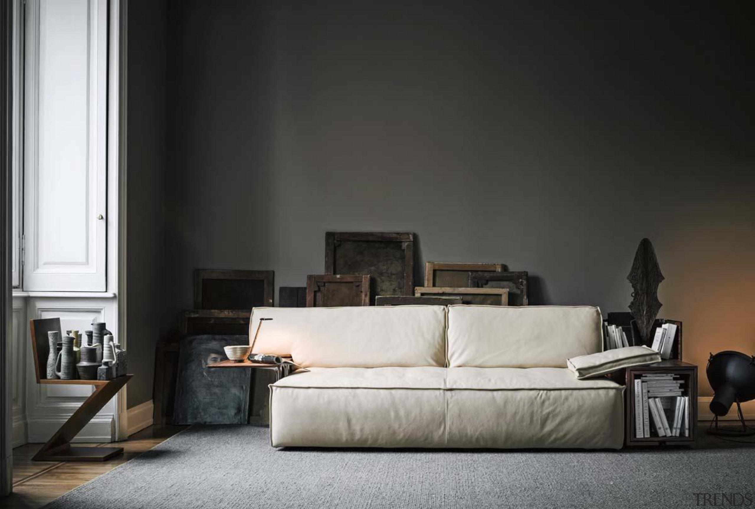 cassinastarckmyworldsofainstu4.jpg - cassinastarckmyworldsofainstu4.jpg - angle | chair | angle, chair, couch, floor, furniture, home, interior design, living room, product design, room, sofa bed, table, wall, black