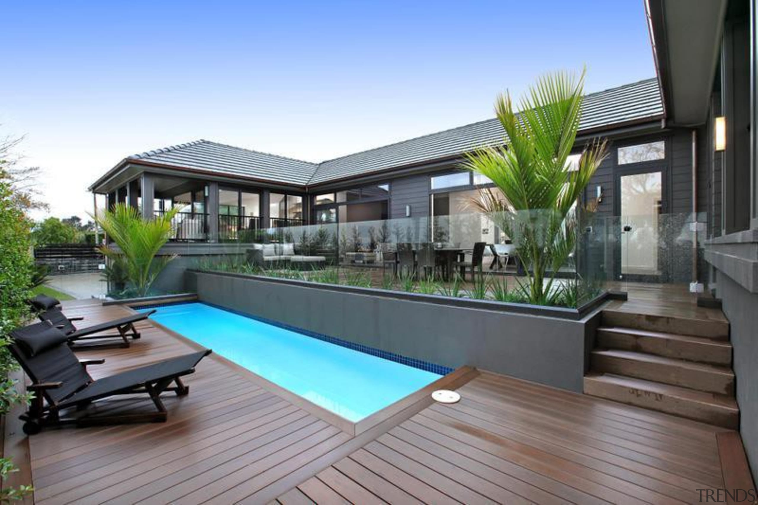 QWICKBUILD is the award-winning aluminium sub-frame system by apartment, backyard, condominium, deck, estate, home, house, leisure, outdoor structure, penthouse apartment, property, real estate, residential area, resort, roof, swimming pool, gray