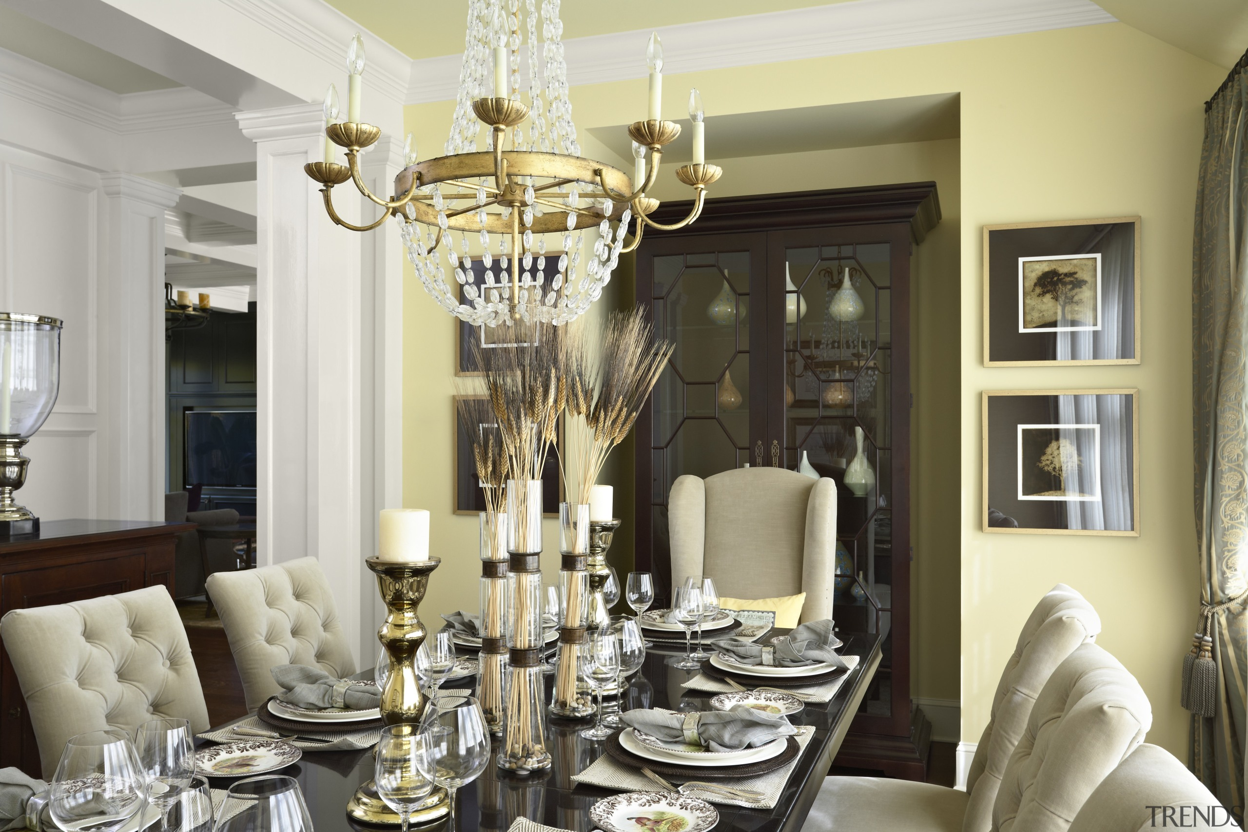 Traditional Dining Room With Uphols Gallery 1 Trends