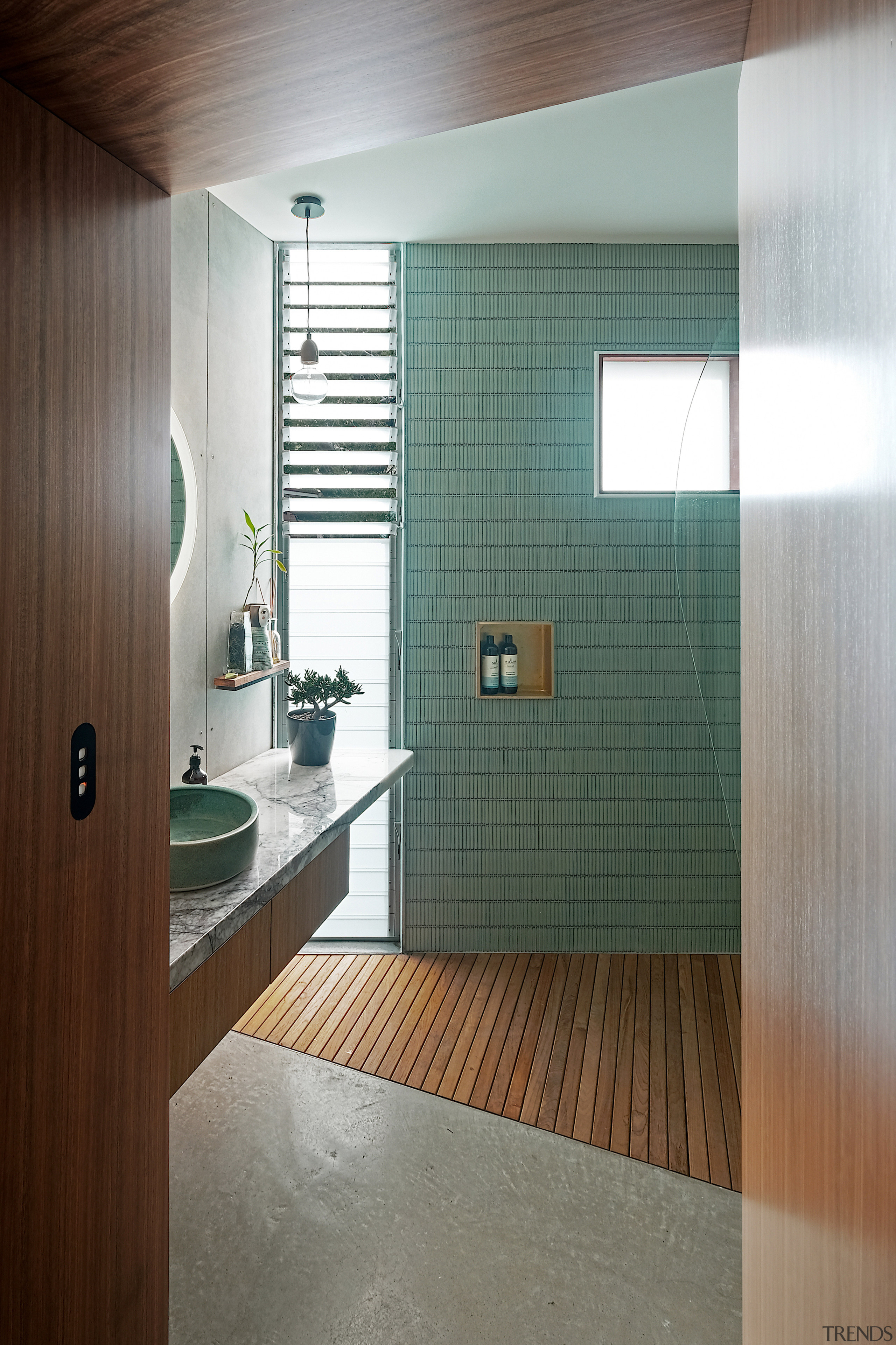 Spotted gum decking was chosen for this bathroom