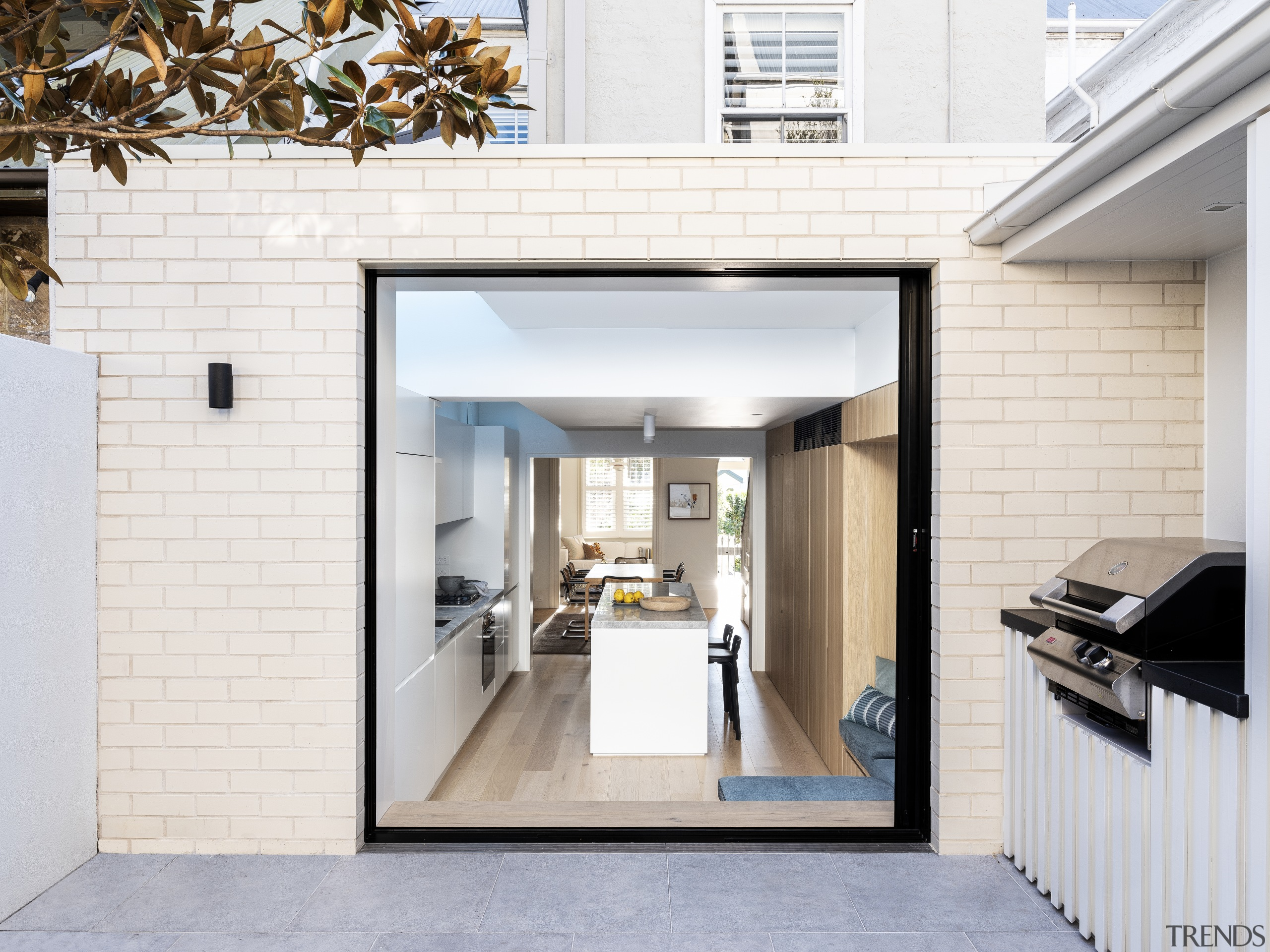 ​​​​​​​Back to front – pocket doors in the