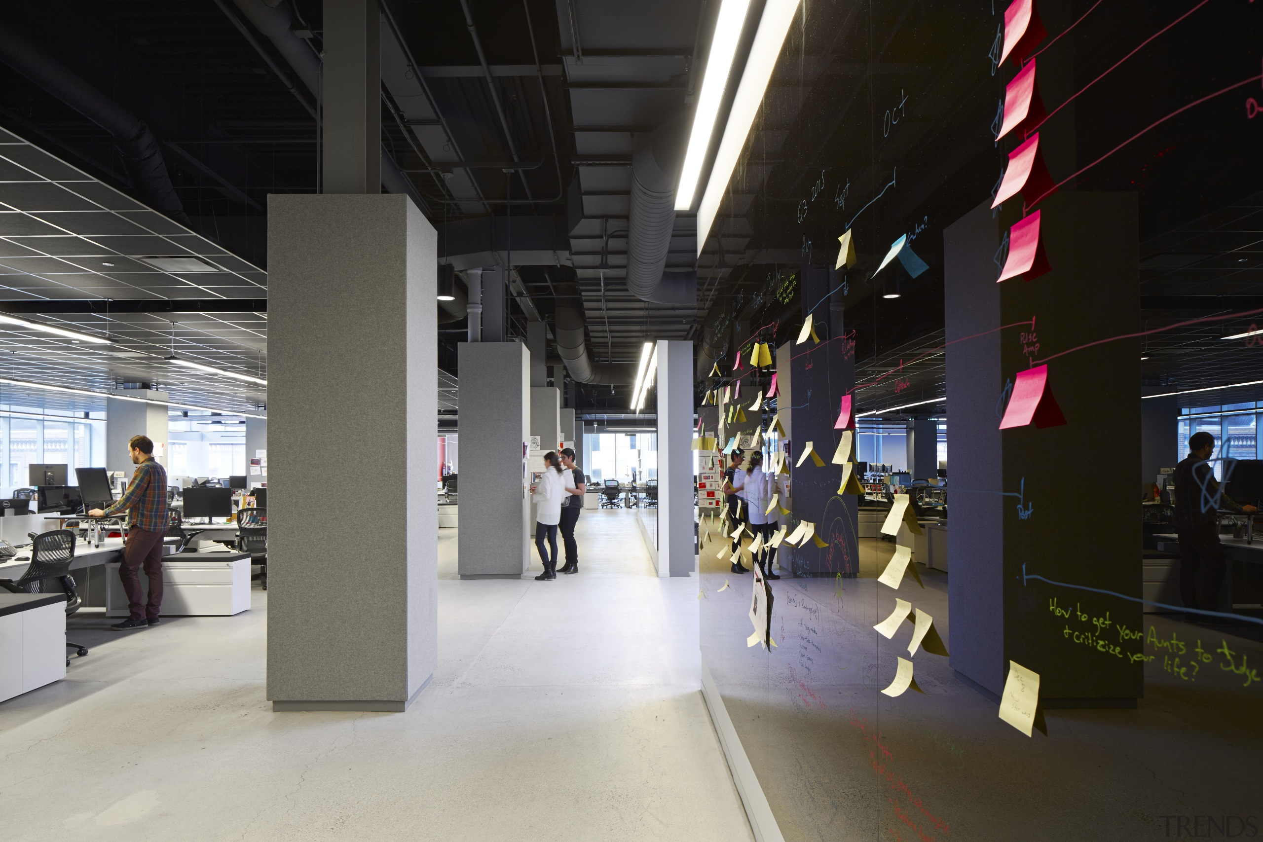 In the Havas Chicago premises most wall surfaces, retail, shopping mall, tourist attraction, black, gray