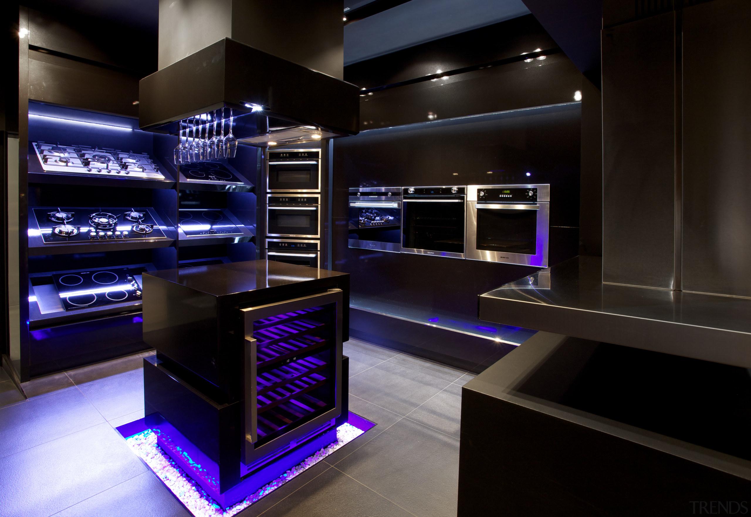 Italian appliances by Eisno Lifetech - Italian appliances interior design, black, blue