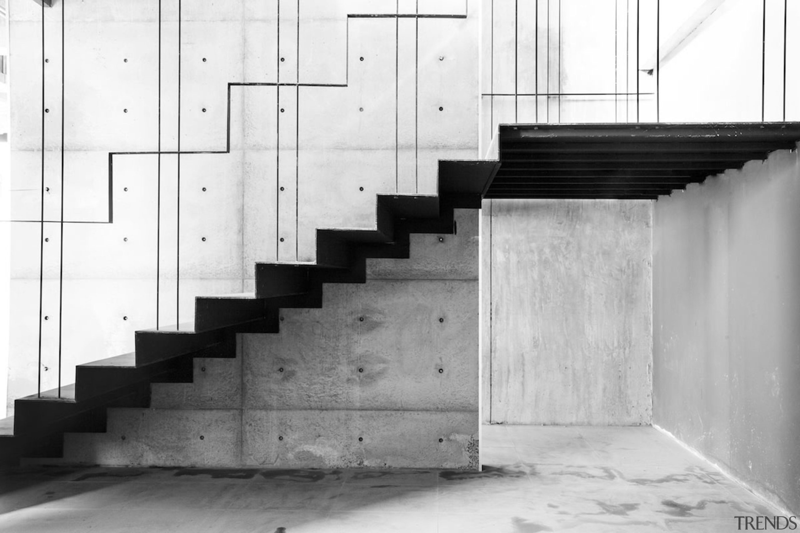 Naiipa 22 - architecture | black and white architecture, black and white, monochrome, monochrome photography, photography, stairs, structure, wall, white