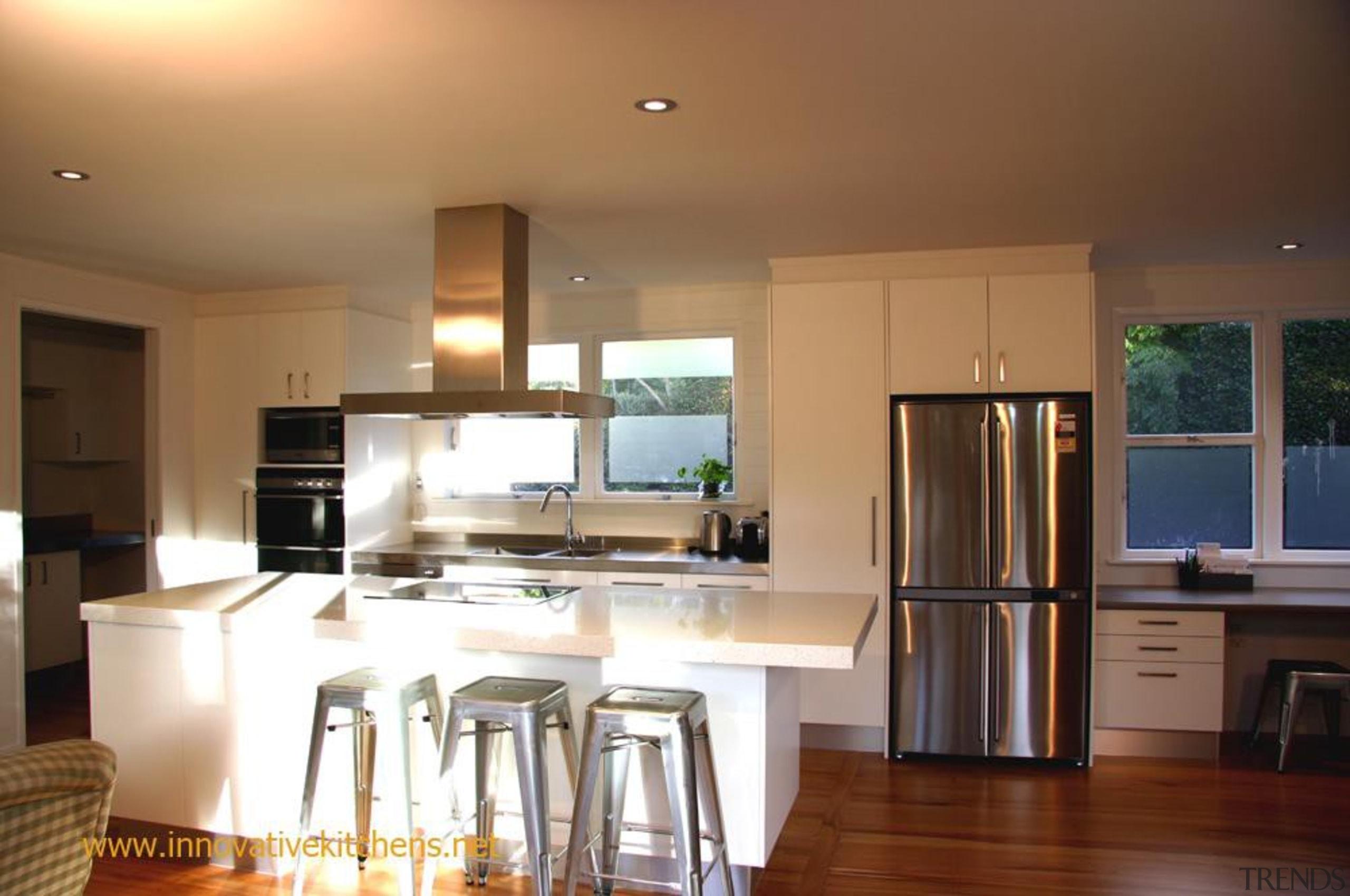modern glendowie2013 1.jpg - modern_glendowie2013_1.jpg - countertop   countertop, cuisine classique, floor, flooring, hardwood, home, interior design, kitchen, property, real estate, room, window, wood flooring, brown
