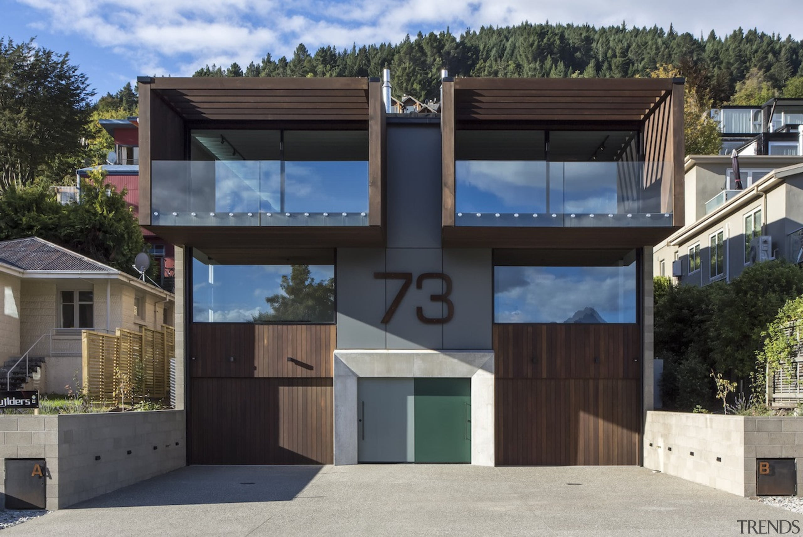 Arrowtown-based Bennie Builders was the only Southern Lakes architecture, building, elevation, facade, home, house, property, real estate, residential area, black, gray
