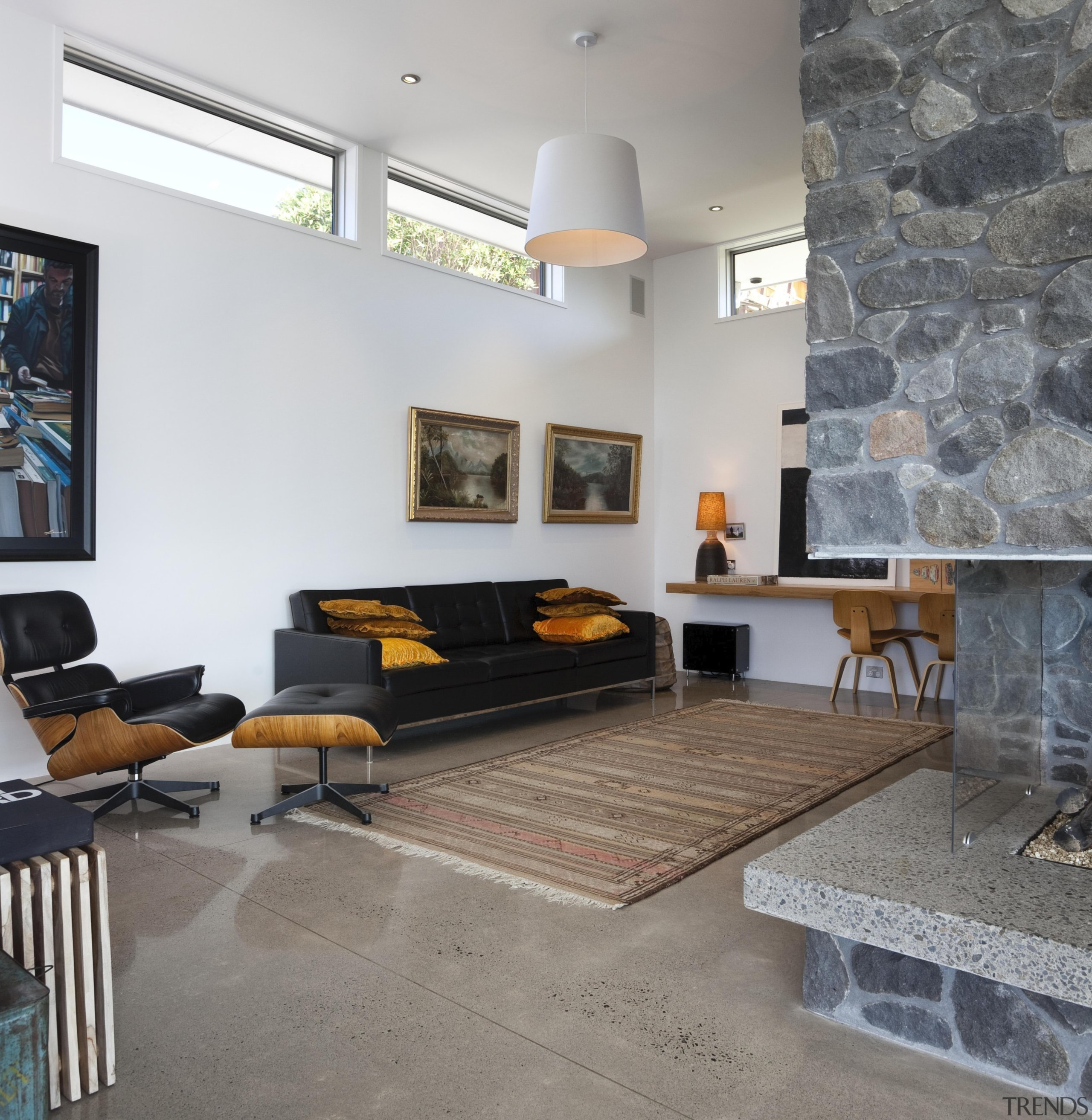 Small living room with mid century style -