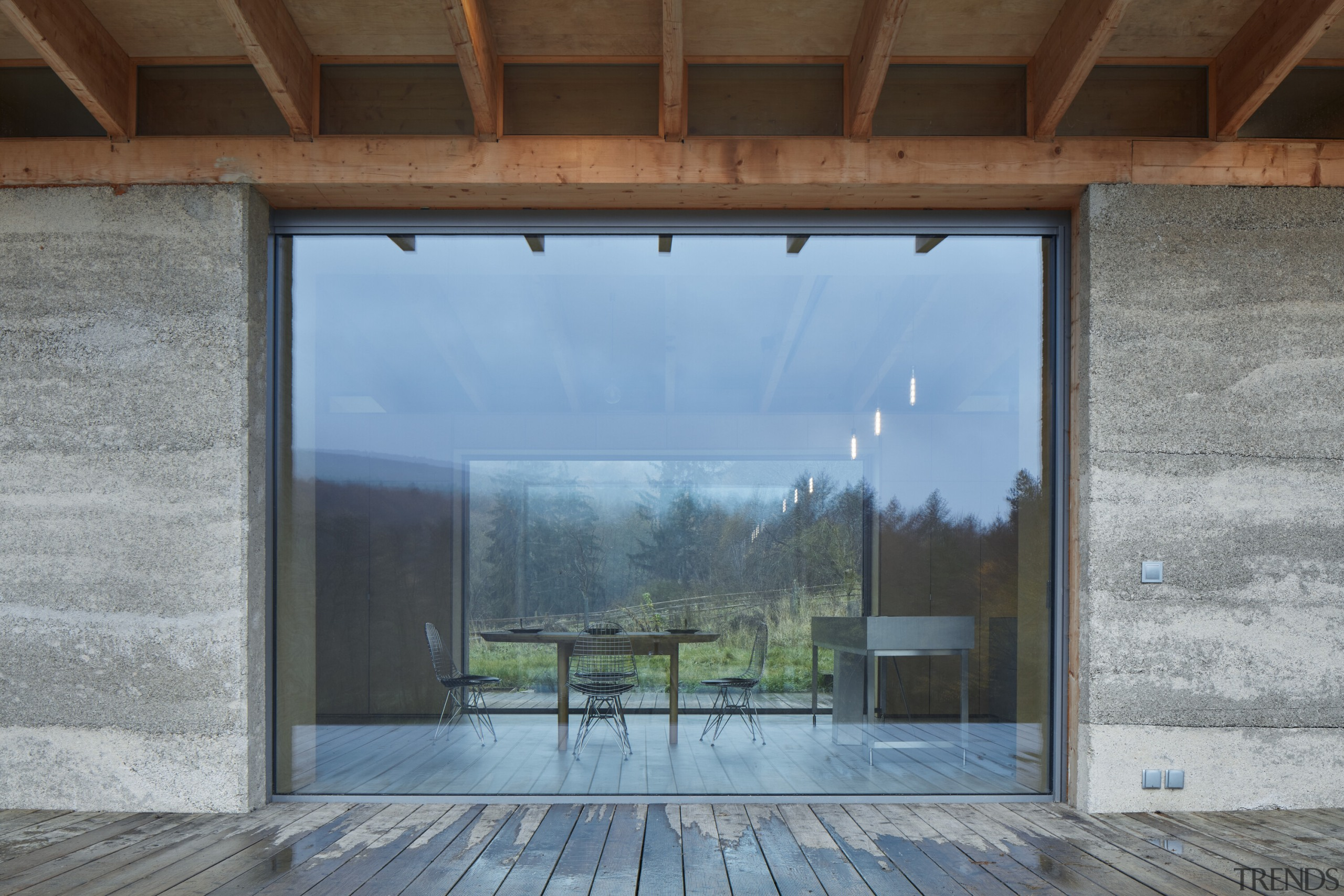 Connecting with the natural elements, the house itself