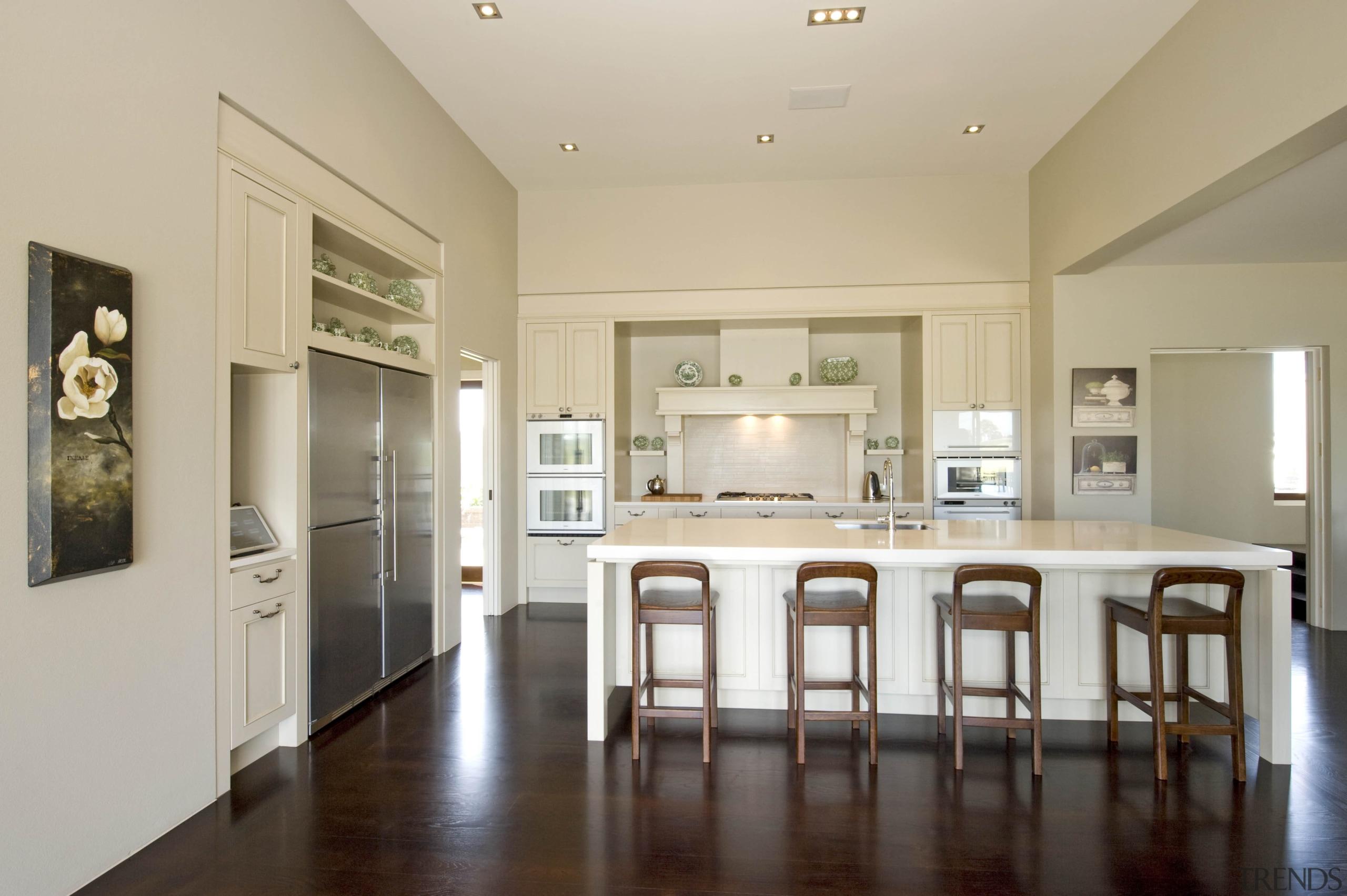 Karaka - ceiling | countertop | cuisine classique ceiling, countertop, cuisine classique, dining room, estate, floor, flooring, hardwood, home, interior design, kitchen, property, real estate, room, wood flooring, gray