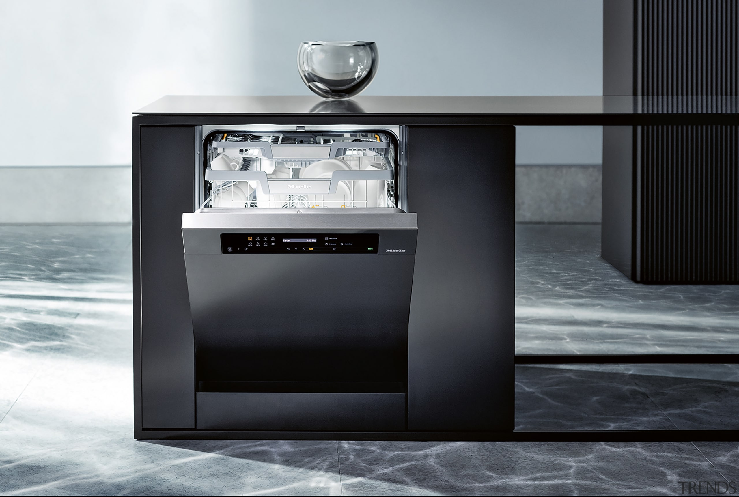 Controlled and accurate dishwasher dosing. - Miele G700 black, white