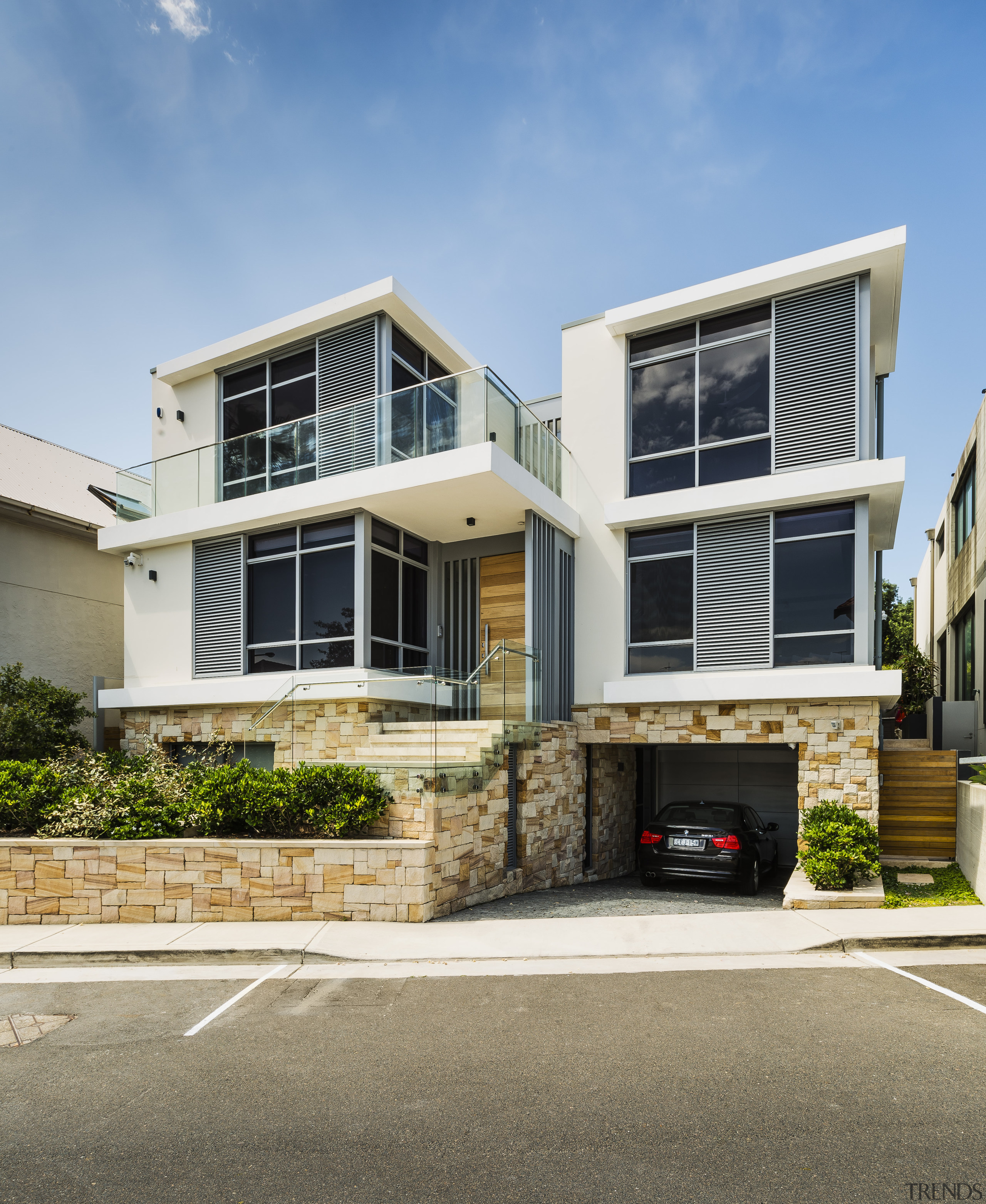 A base and front fence in randomly laid architecture, building, facade, home, house, residential area, siding, window, Giles & Tribe Architecture,  Tida Awards,  Bondi Beach