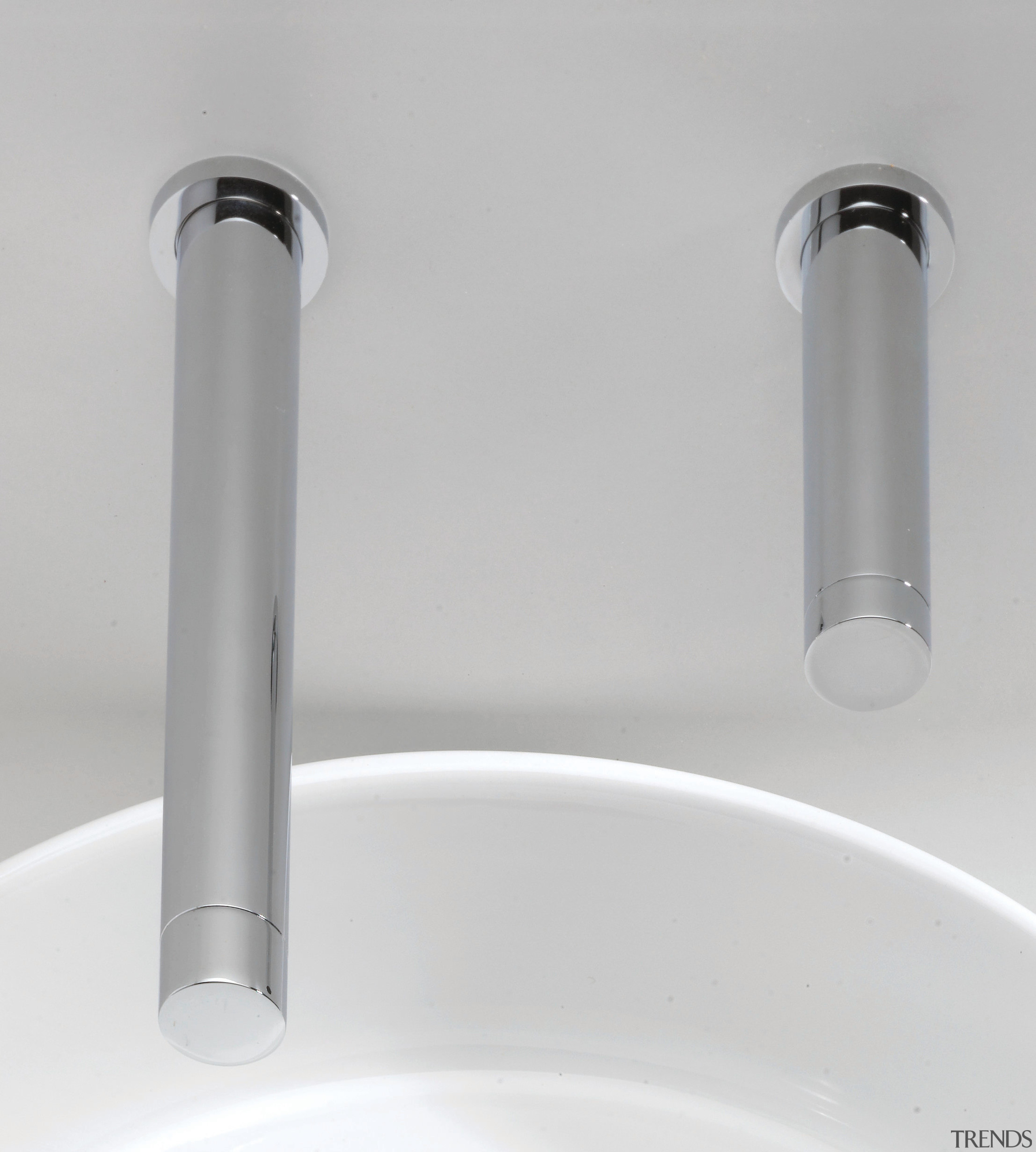 Zoom electronic faucets from Lacava automatically turn on plumbing fixture, product design, tap, gray