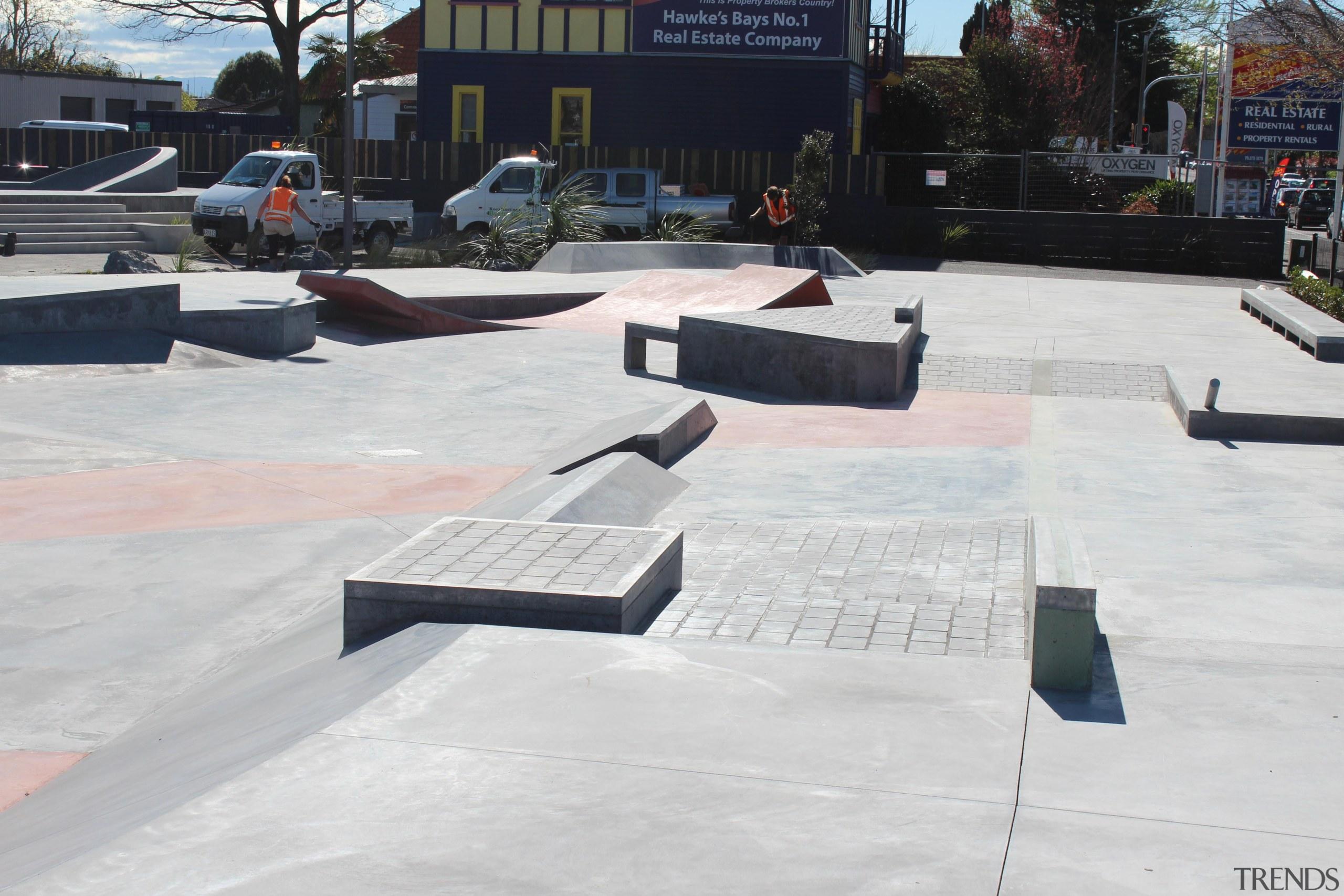 colourmix 12.jpg - colourmix_12.jpg - asphalt   boardsport asphalt, boardsport, memorial, roof, skateboarding, walkway, white, black