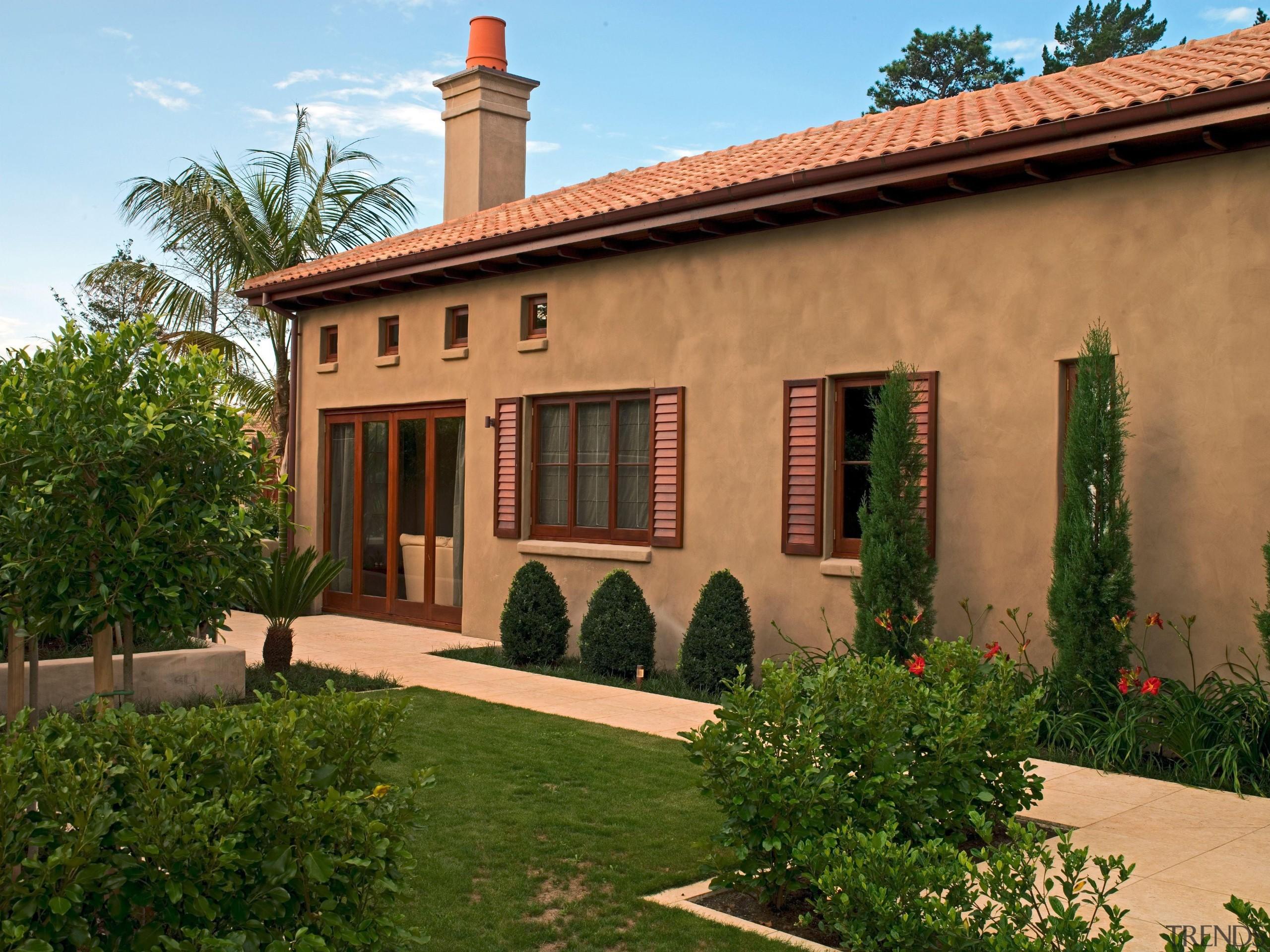 Onetaunga - cottage | estate | facade | cottage, estate, facade, hacienda, home, house, mansion, property, real estate, villa, window, brown