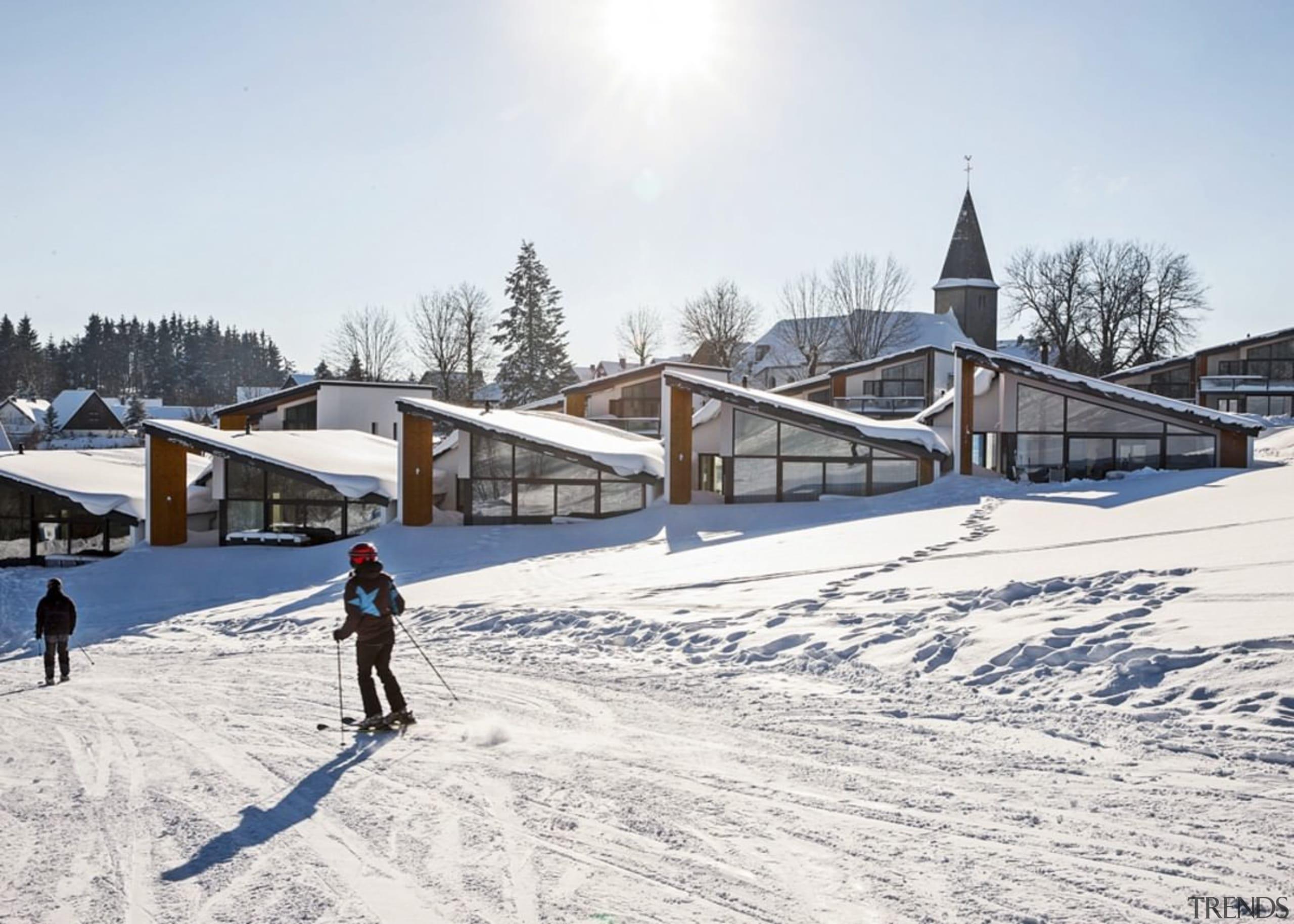 Skiing past the villas - Skiing past the cross country skiing, mountain range, nordic skiing, piste, recreation, roof, ski, ski cross, ski equipment, skiing, sky, snow, winter, winter sport, white