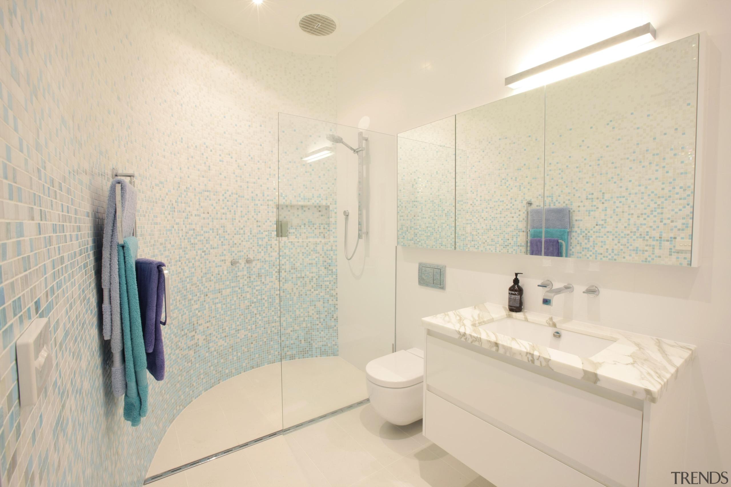 vicbathsmarterbathroomskitchens1.jpg - vicbathsmarterbathroomskitchens1.jpg - bathroom | daylighting | bathroom, daylighting, floor, home, interior design, property, real estate, room, sink, tile, wall, white