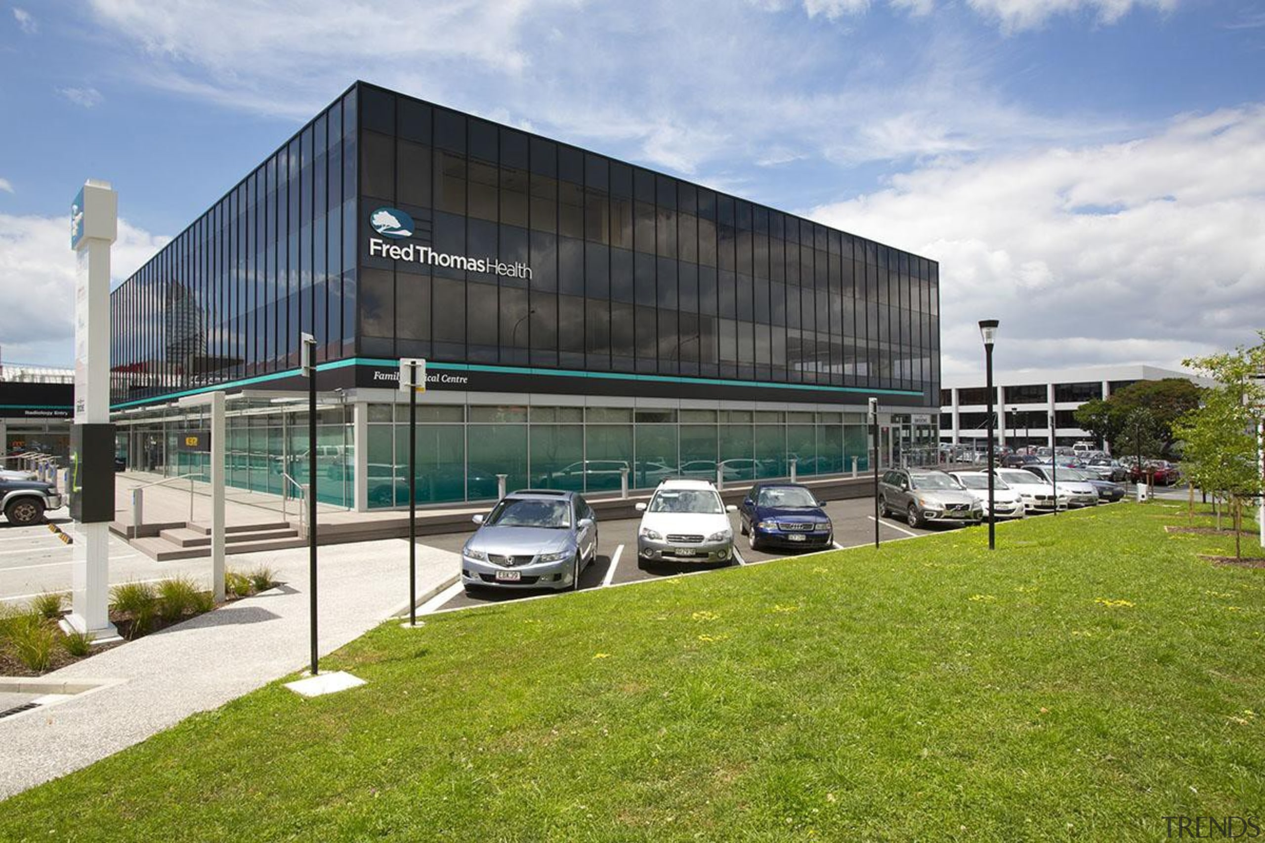 MERIT WINNER2 and 4 Fred Thomas Drive (4 architecture, building, corporate headquarters, facade, property, real estate, gray