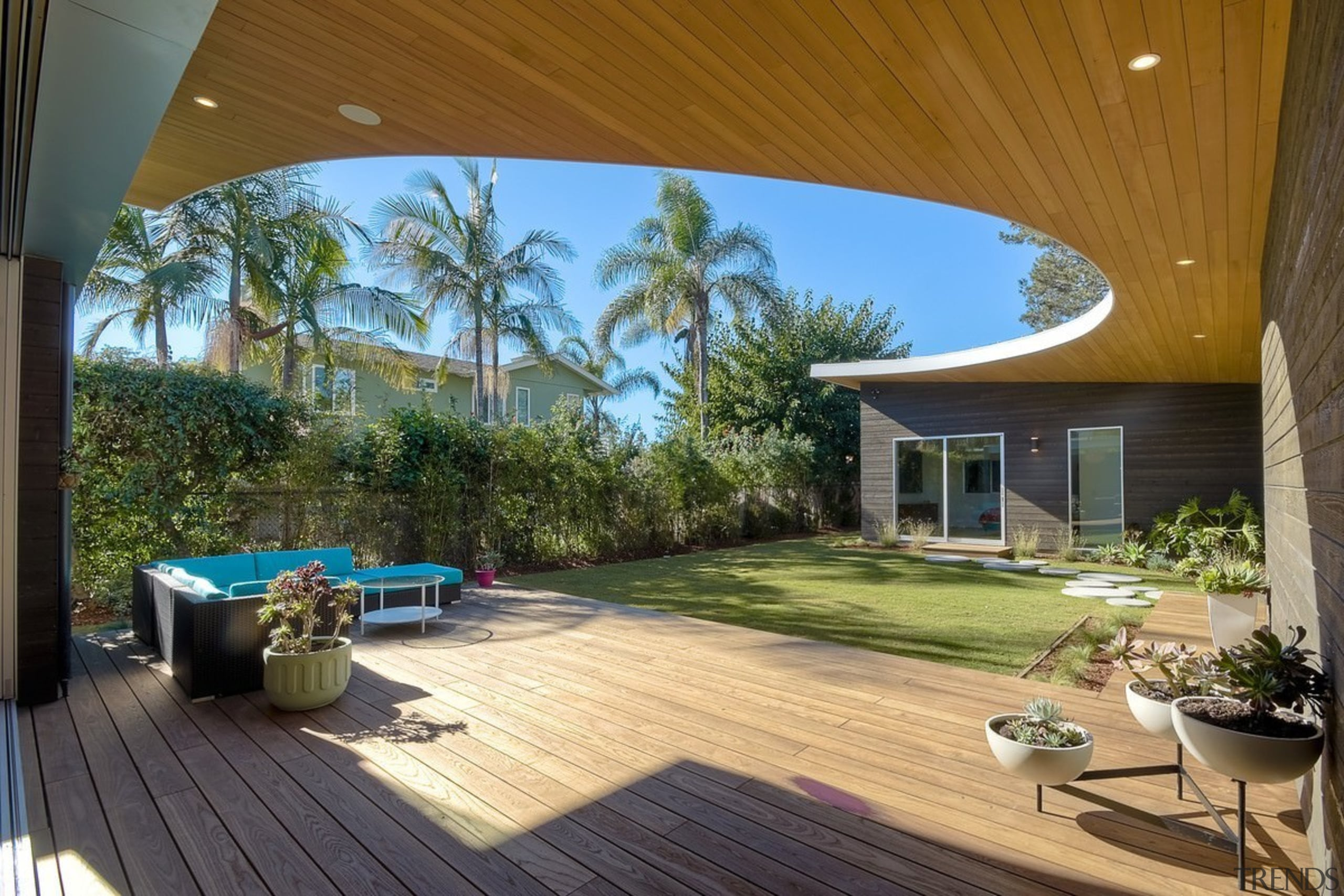 Architect: lloyd russell, aiaPhotography by Darren Bradley backyard, deck, estate, home, house, interior design, outdoor structure, property, real estate, resort, roof, brown