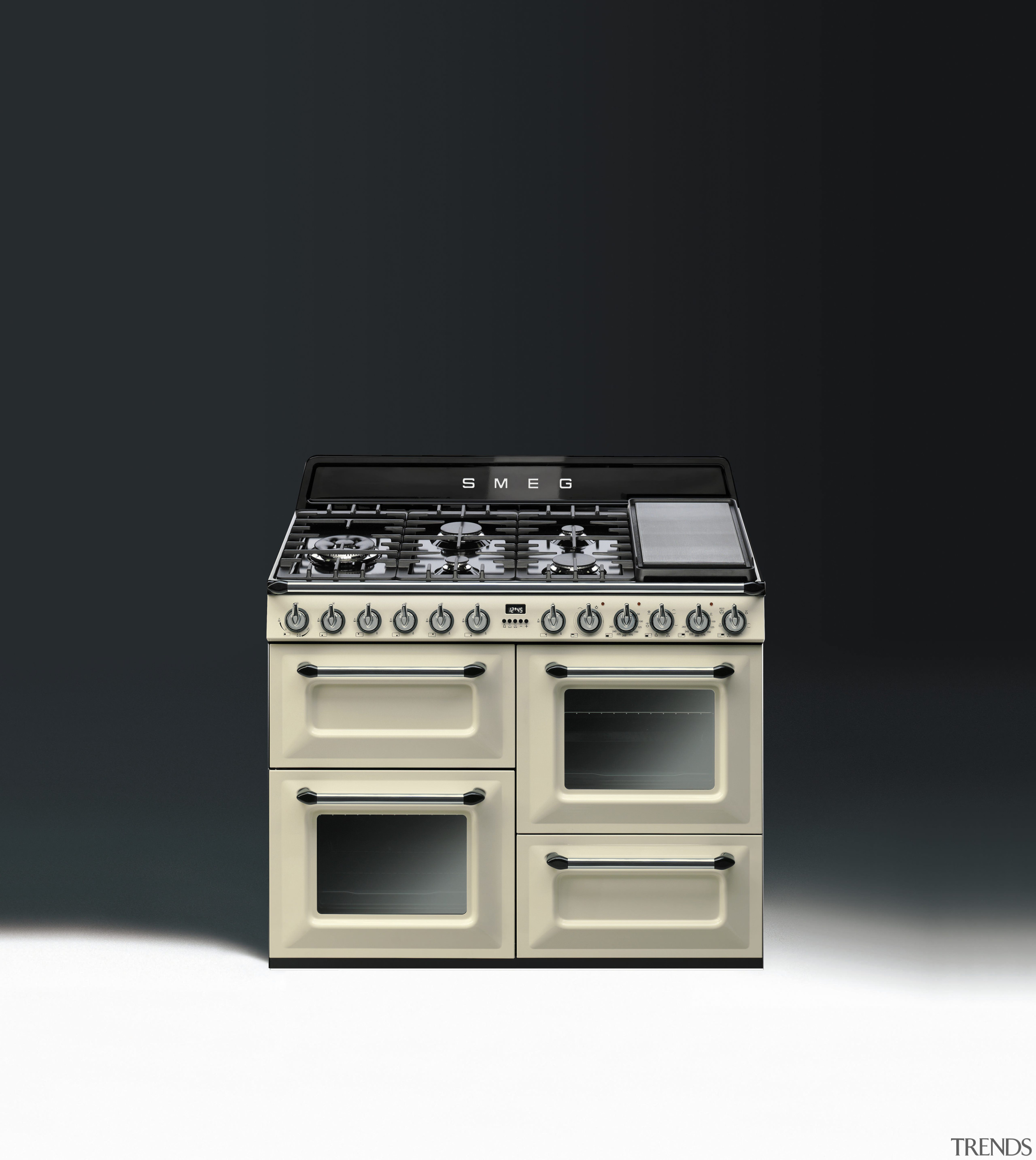 Freestanding cookers from Smeg highlight a significant design electronics, gas stove, home appliance, kitchen appliance, kitchen stove, major appliance, product, product design, black