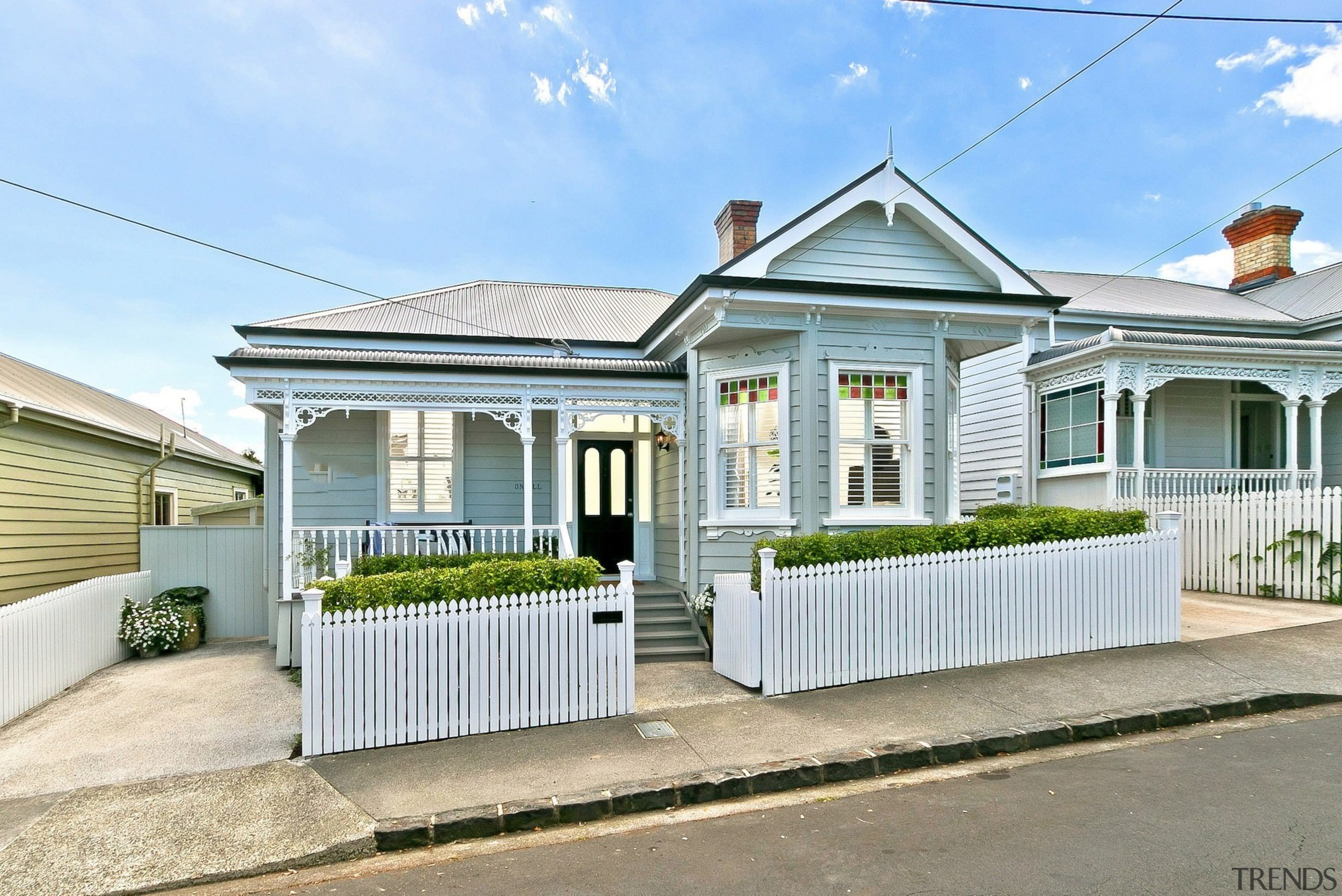 Allan McIntosh of Buildology for 17 O'Neill – cottage, estate, facade, home, house, neighbourhood, property, real estate, residential area, white