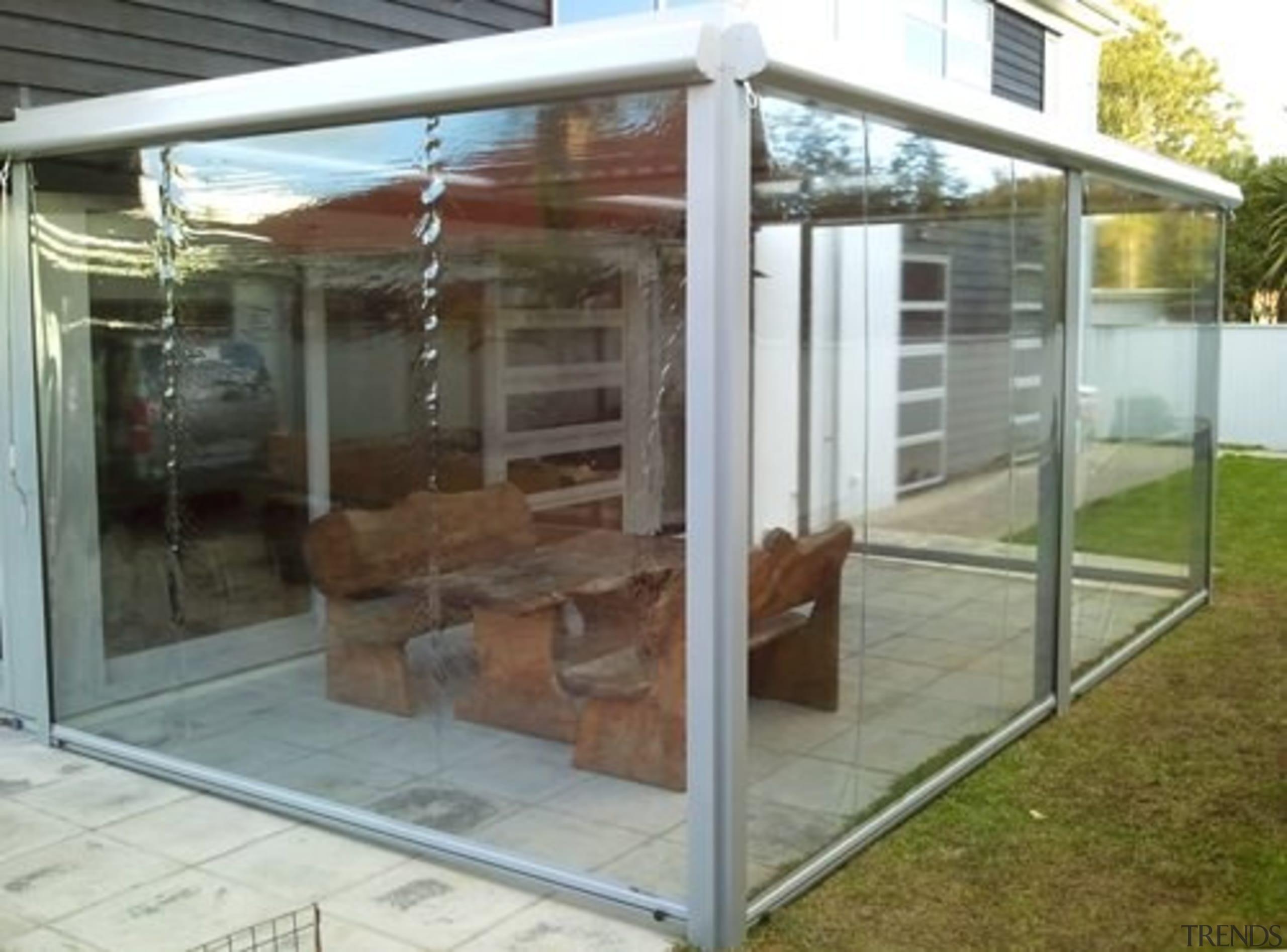 Calido Zip Outdoor Screen - outdoor structure   outdoor structure, gray, brown
