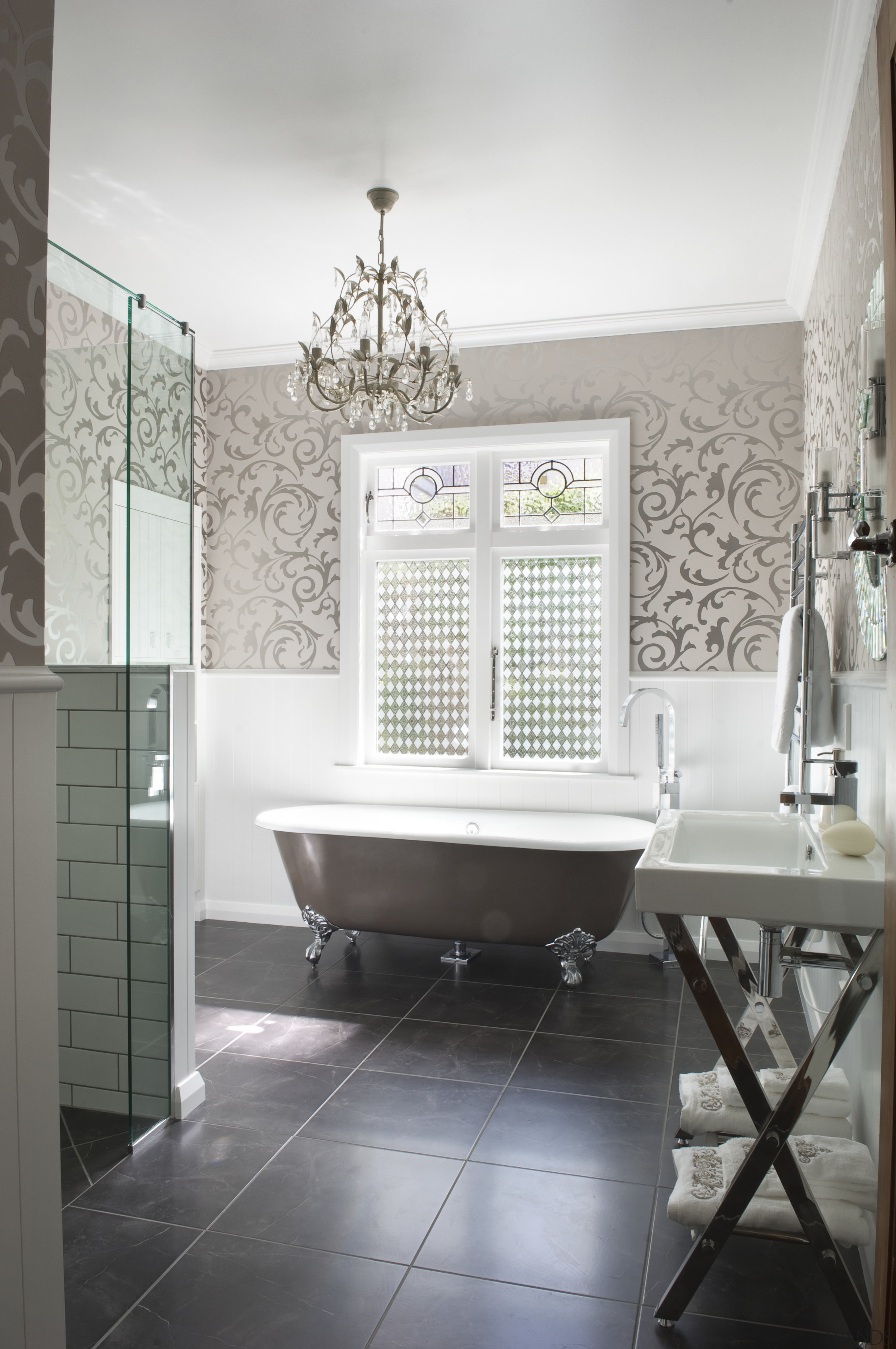 View of bathroom in a 1930s bungalow designed by D...   Trends