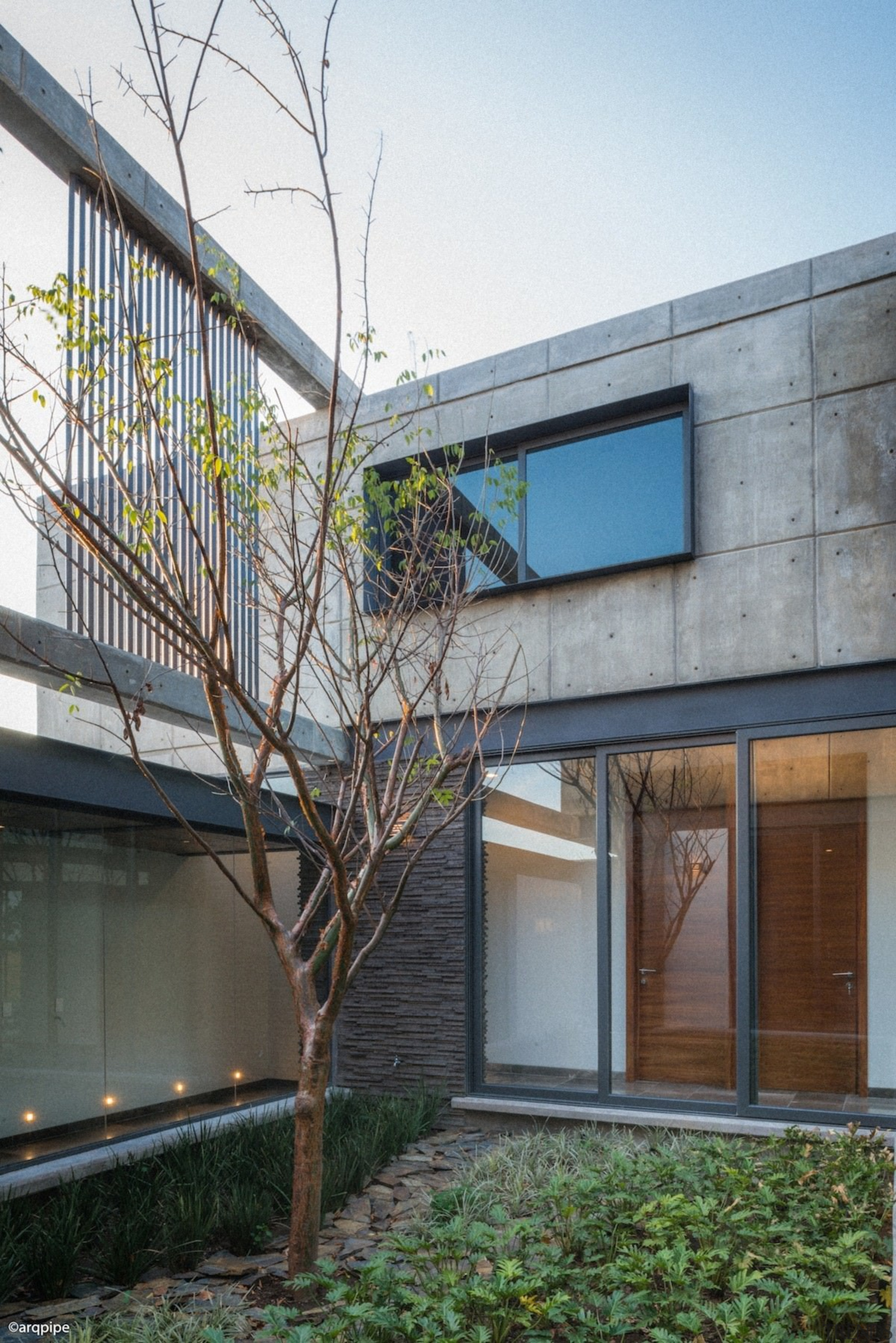 Colima home/Di Frenna Arquitectos - Colima home/Di Frenna architecture, building, daylighting, facade, home, house, property, real estate, residential area, window, white, gray
