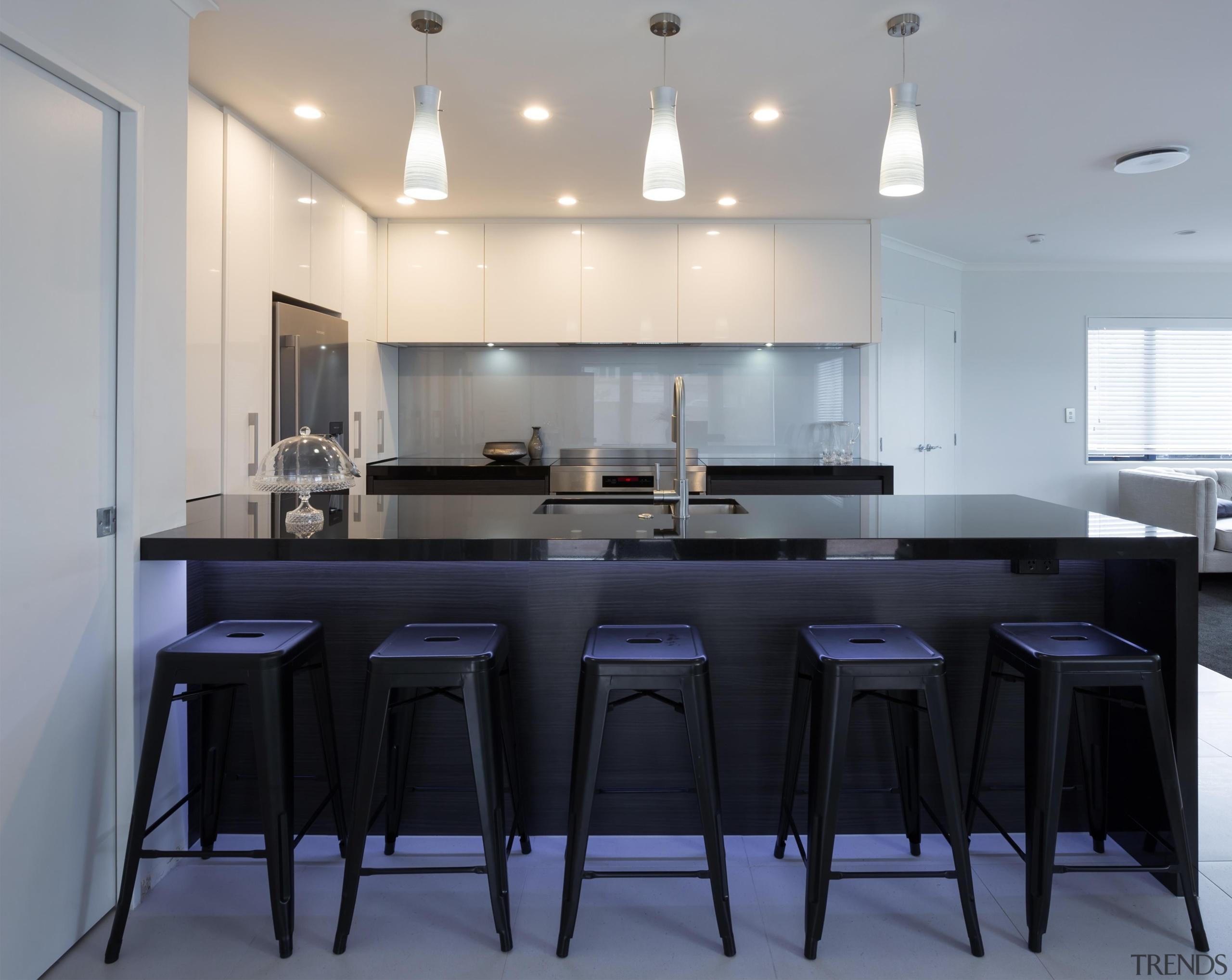black granite, gloss designatek, textured designatek, profile handle, countertop, cuisine classique, interior design, kitchen, real estate, room, table, gray, black