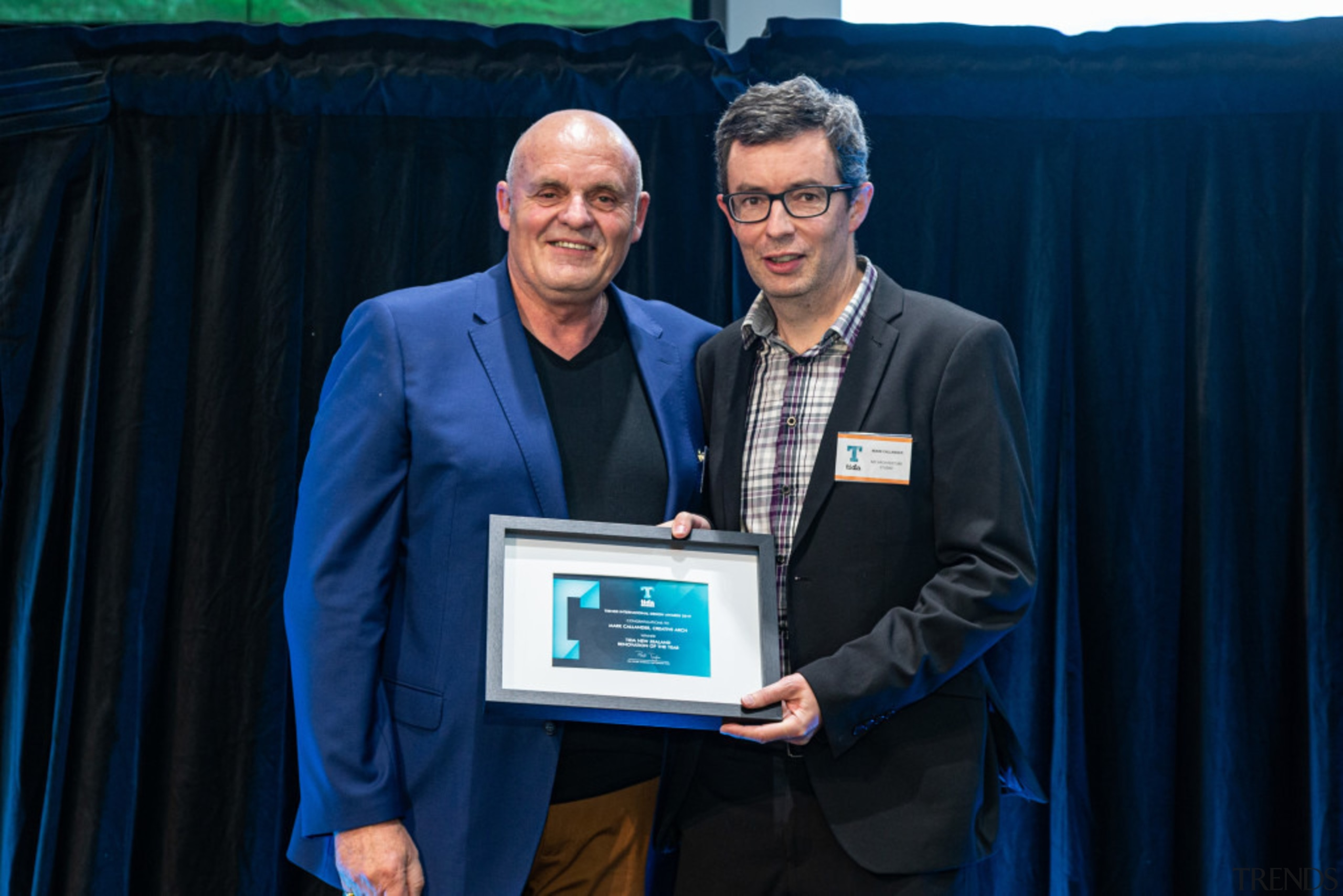 2019 TIDA New Zealand Homes presentation evening award, award ceremony, electronic device, event, job, technology, blue, black
