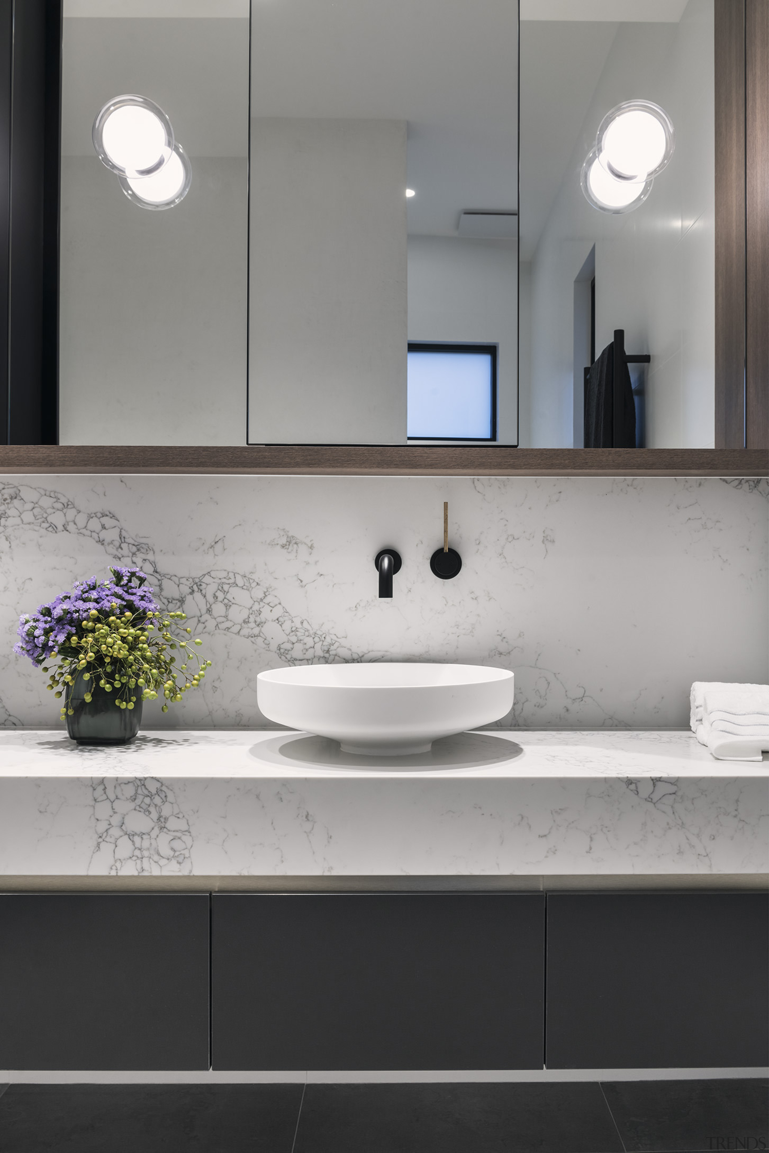 A crackle in the vanity bench and splashback