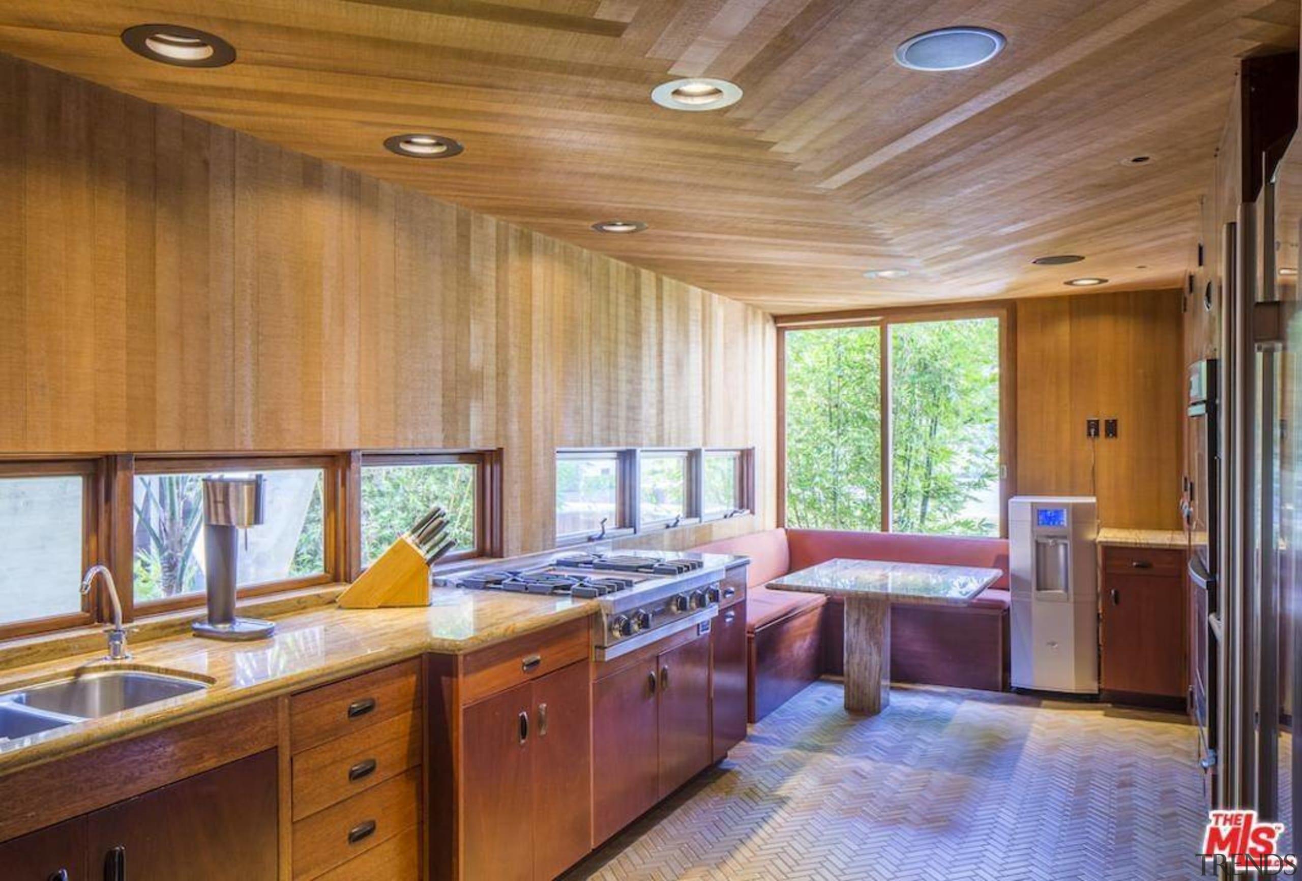 Edward Norton's new Malibu Colony home – Trulia ceiling, countertop, estate, flooring, hardwood, home, house, interior design, kitchen, property, real estate, room, wood, brown