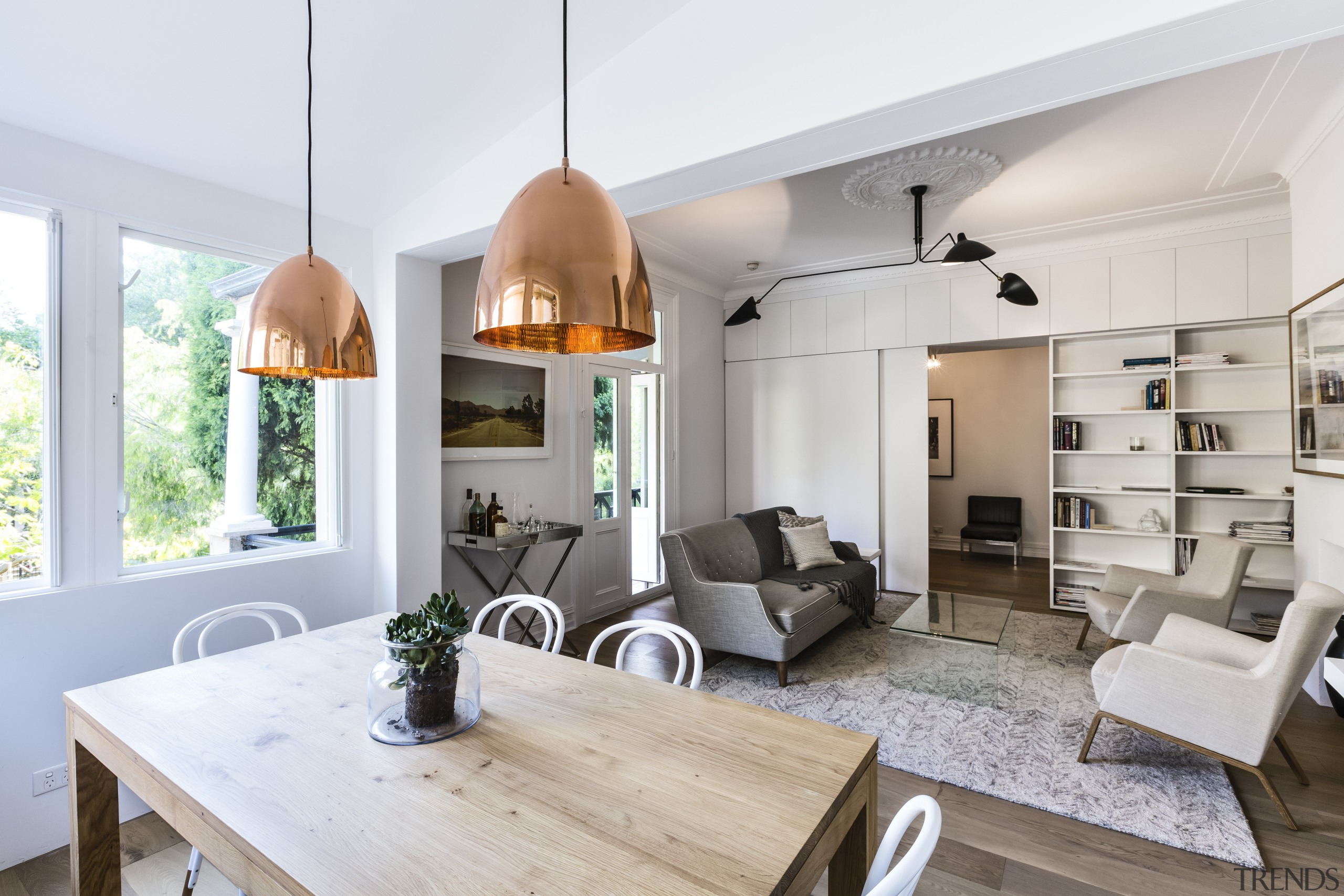 For this apartment renovation project, the architraves and interior design, living room, white, gray