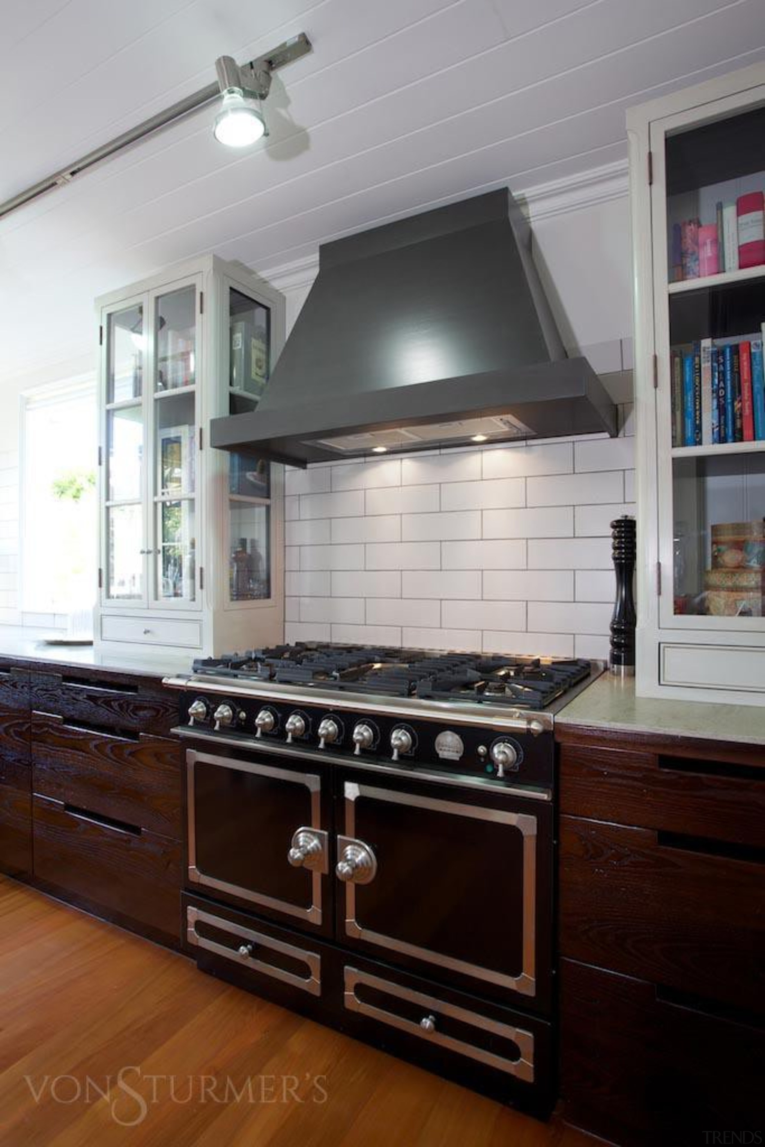 Grand Old Auckland Villa - Grand Old Auckland cabinetry, countertop, cuisine classique, flooring, home appliance, interior design, kitchen, kitchen appliance, kitchen stove, oven, room, gray, black