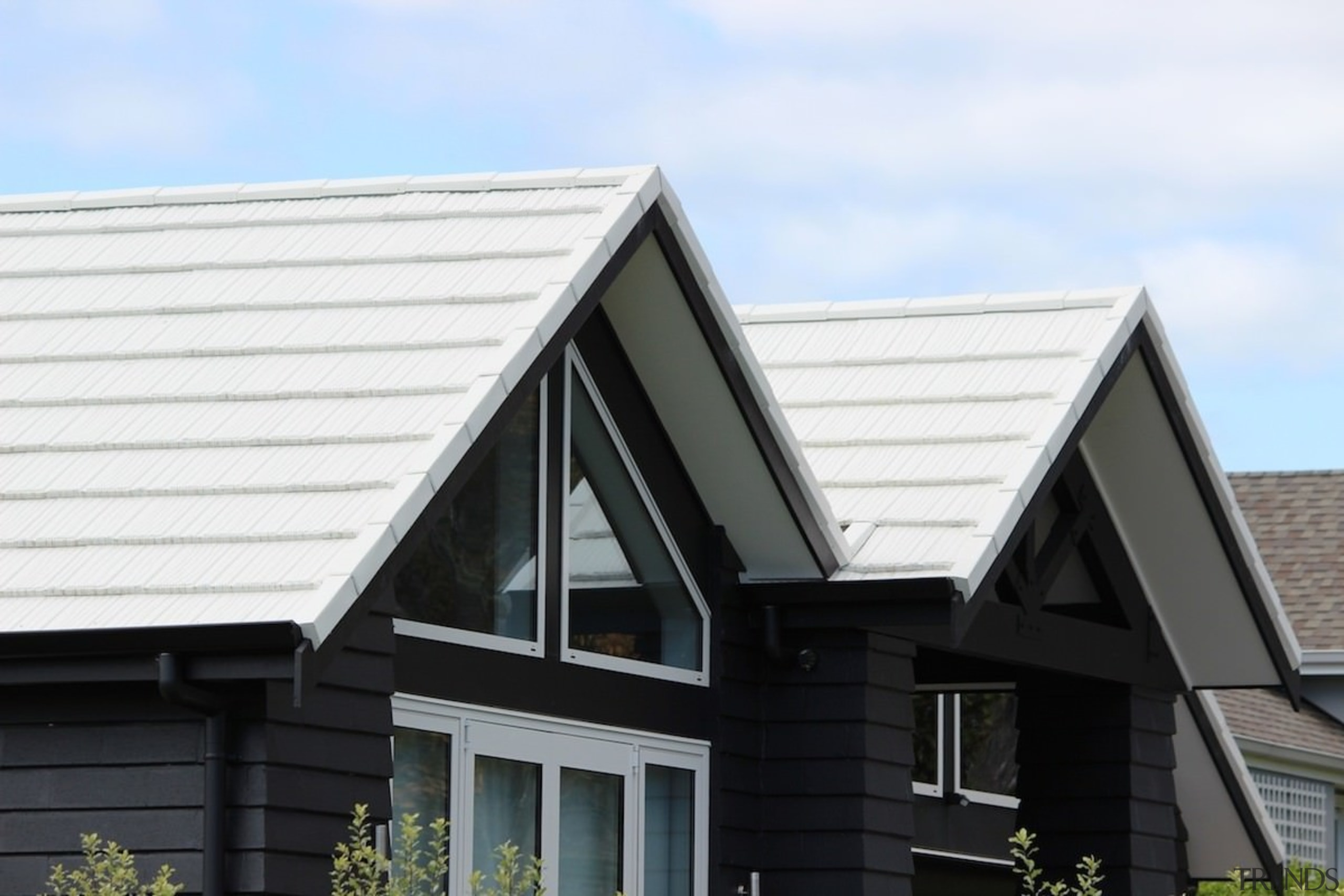 Metrotile metal panels - Metrotile metal panels - building, daylighting, elevation, facade, home, house, property, real estate, residential area, roof, siding, window, white, black