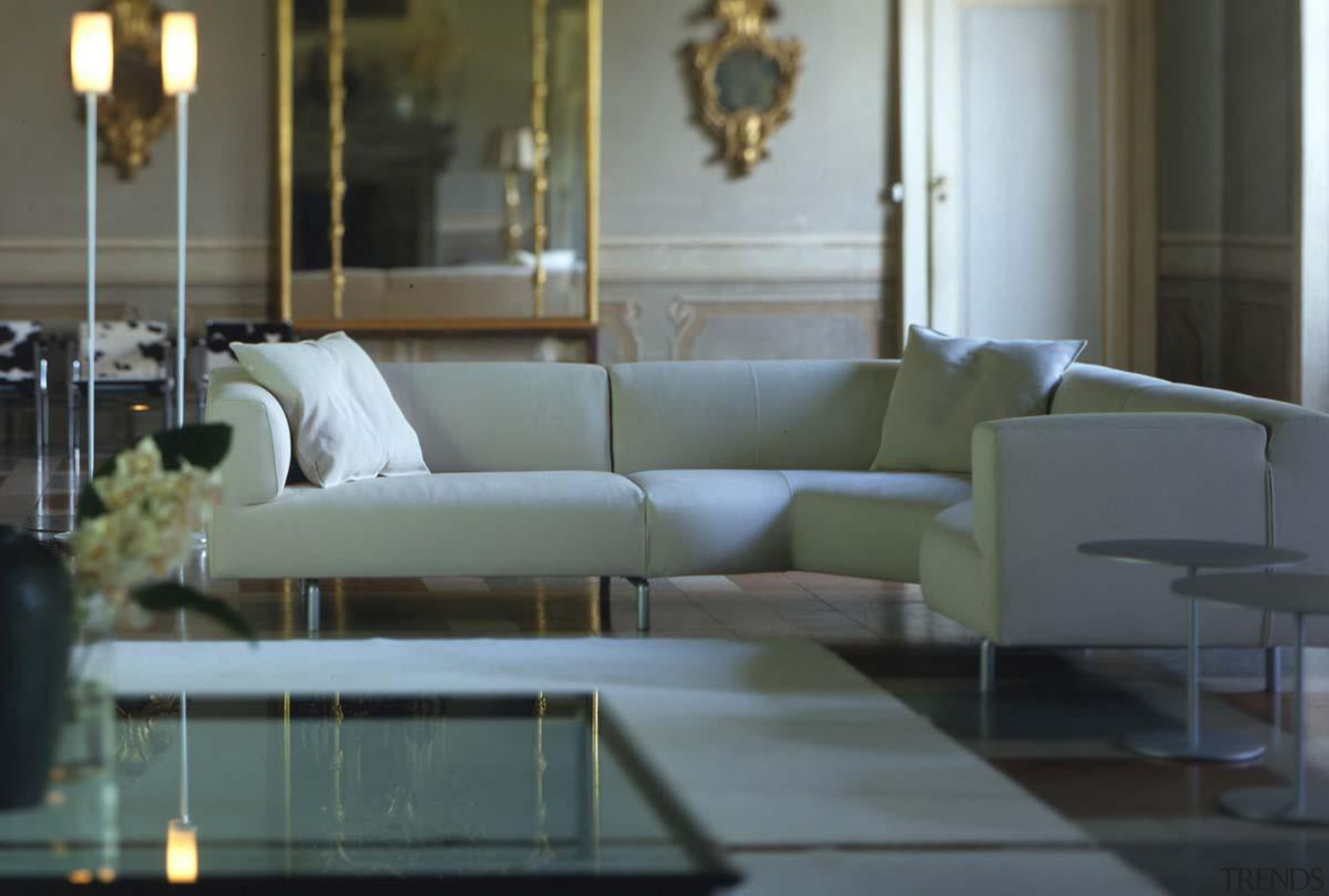 cassinalissonimetsofainstu6.jpg - cassinalissonimetsofainstu6.jpg - chair | coffee table chair, coffee table, couch, floor, flooring, furniture, home, interior design, living room, lobby, loveseat, room, table, gray, black