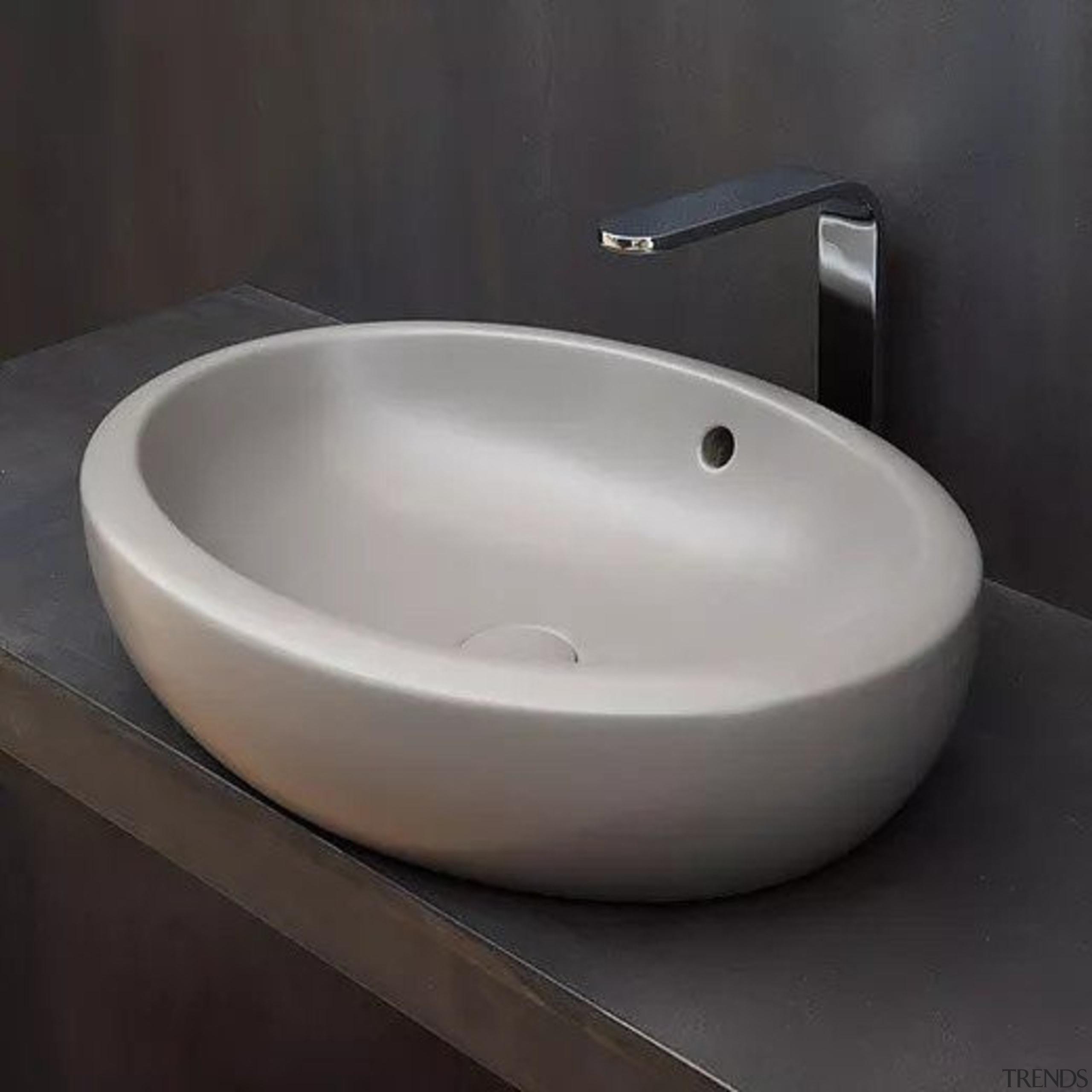 Fluid - bathroom sink | ceramic | plumbing bathroom sink, ceramic, plumbing fixture, product design, sink, tap, black, gray