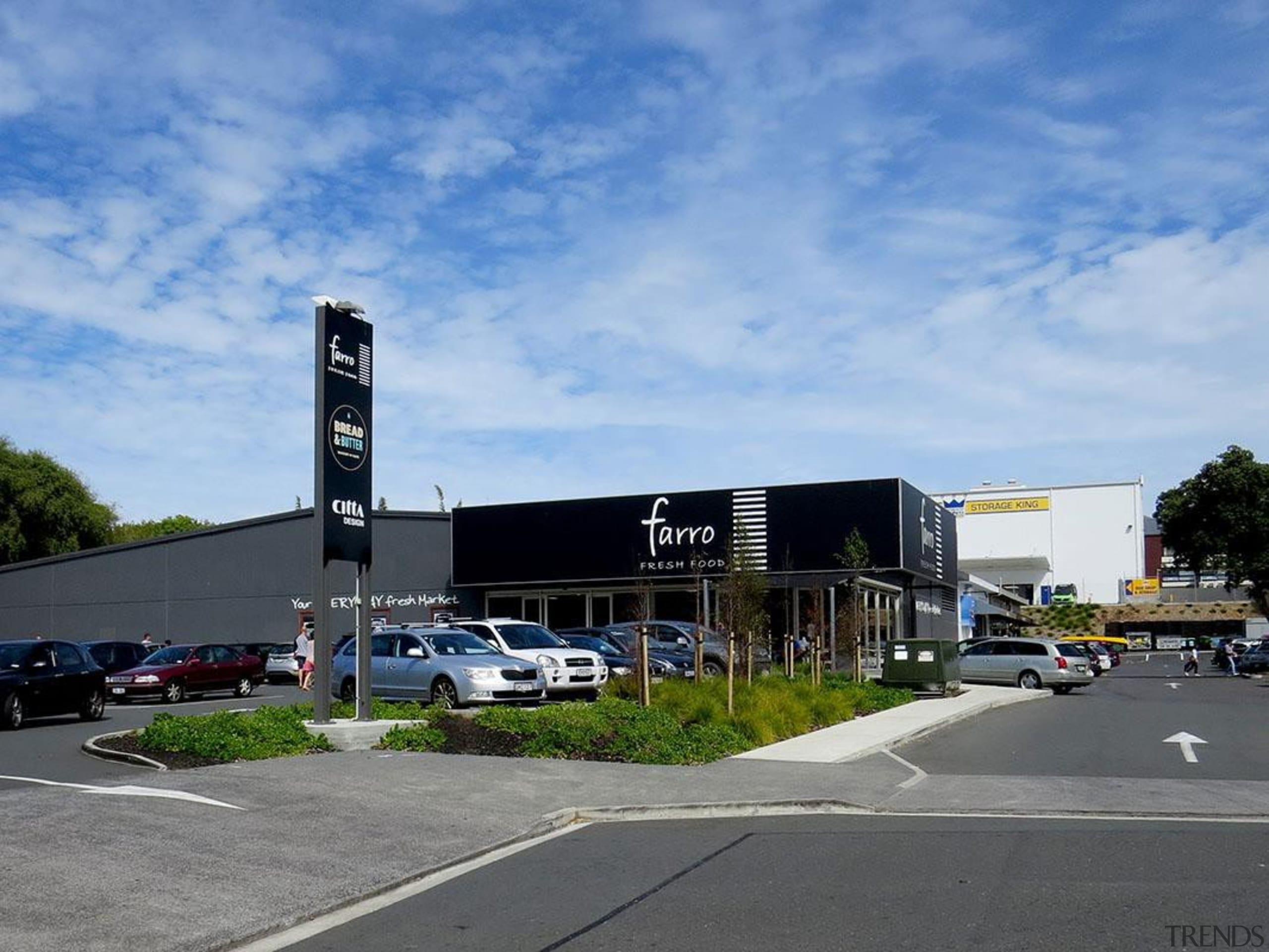 EXCELLENCE AWARDFarro Fresh Retail Development Grey Lynn (3 building, car, car dealership, corporate headquarters, luxury vehicle, parking lot, property, real estate, sky, transport, teal