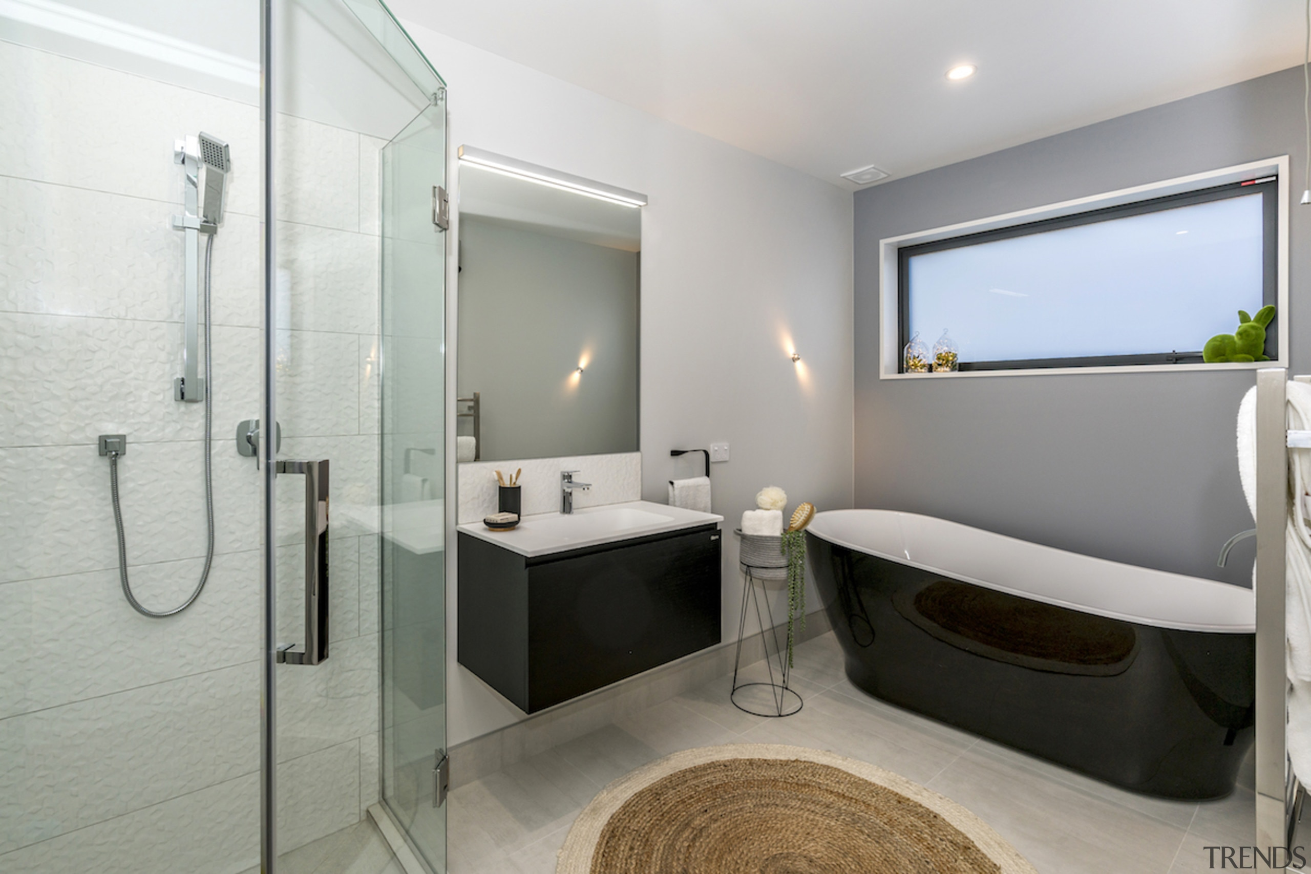 The house is equipped with a 4 Kw bathroom, interior design, real estate, room, gray
