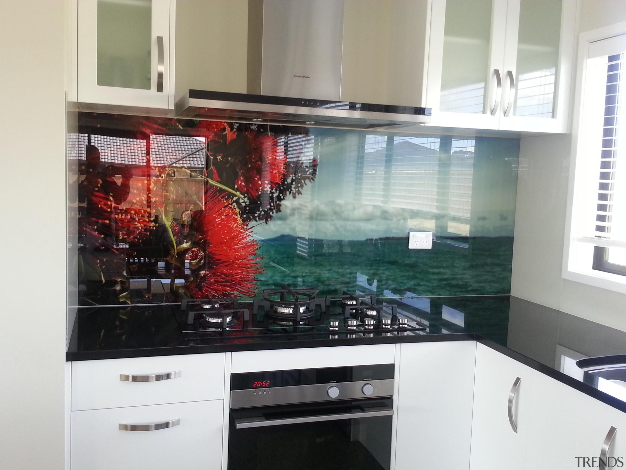 20140228145504.jpg - 20140228145504.jpg - countertop | glass | countertop, glass, interior design, kitchen, room, white