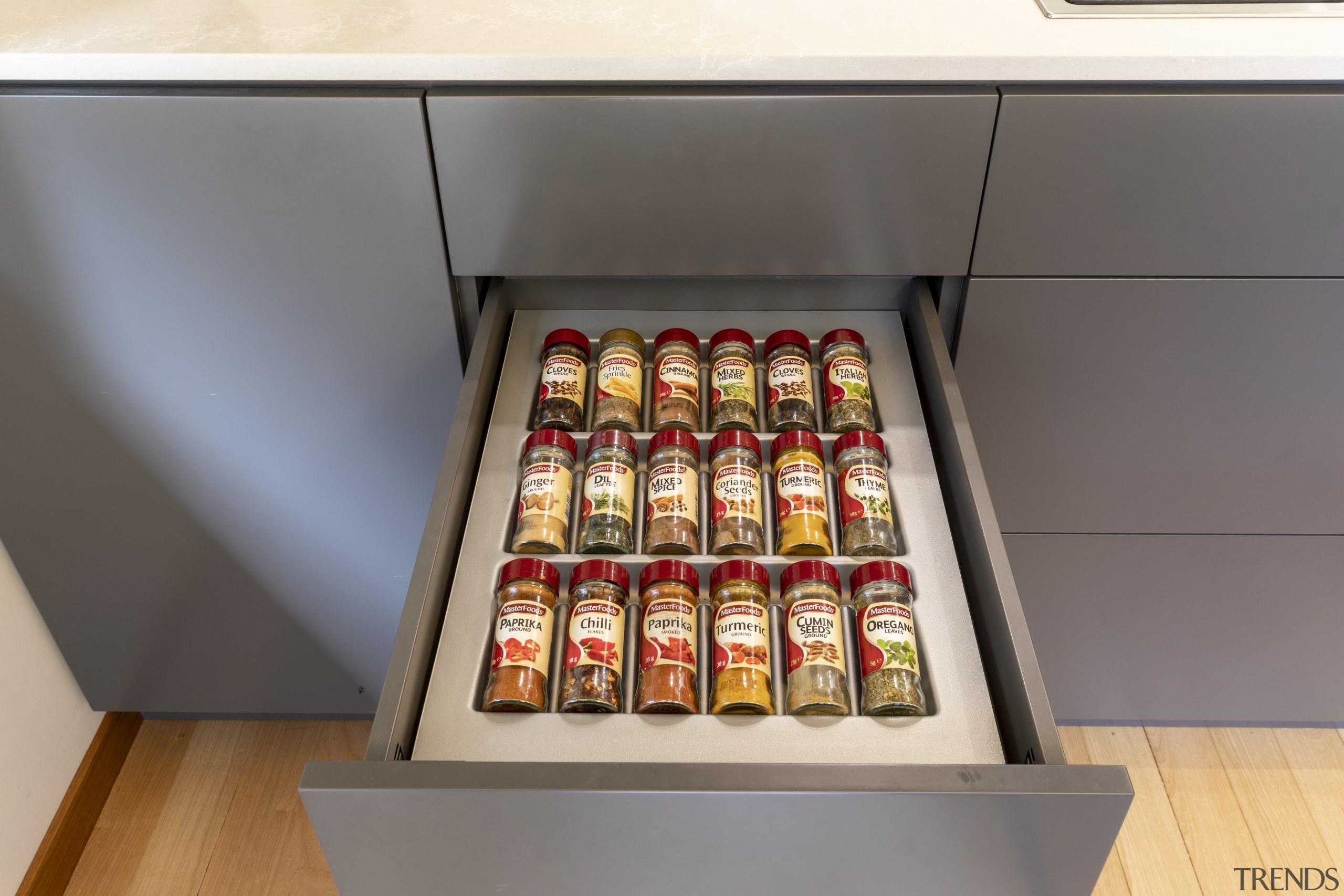 The kitchen's Blum Legrabox system includes efficient internal